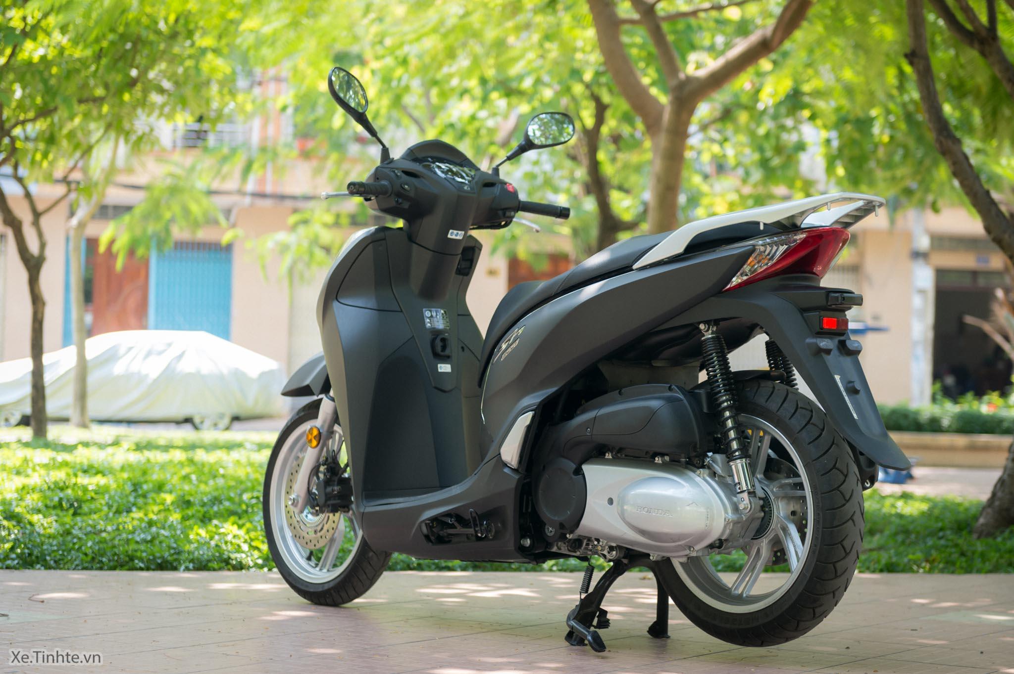 Xe.Tinhte.vn-Honda-SH300i-Italy-55.jpg
