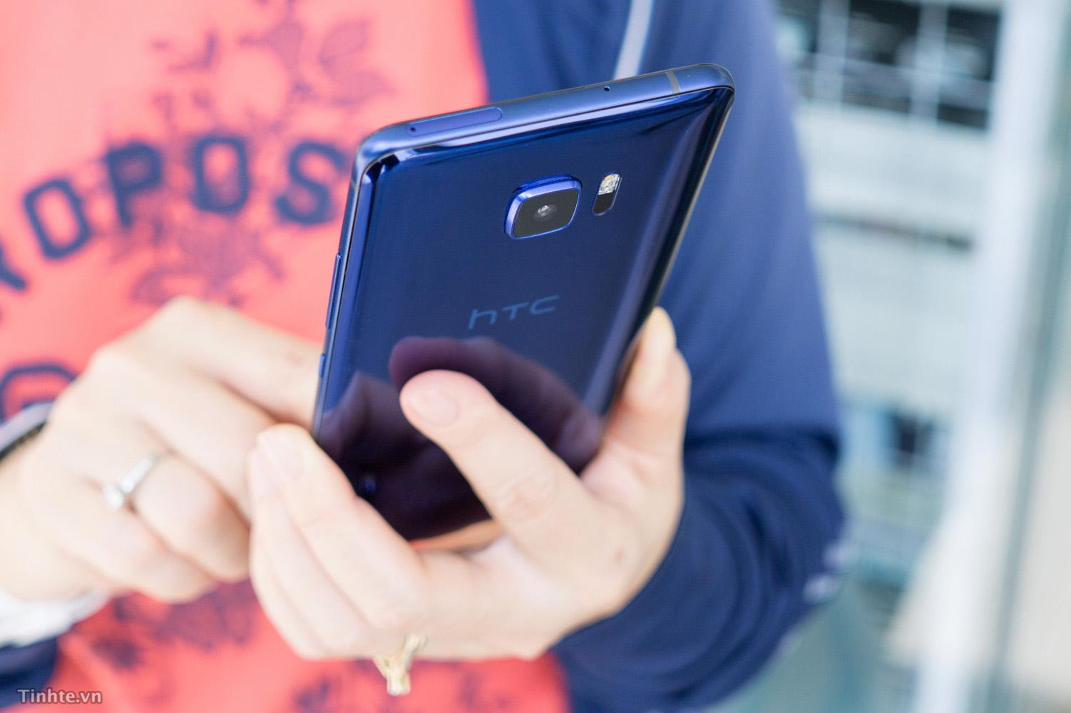 Cam_nhan_nhanh_HTC_U_Ultra_tinhte_7.jpg