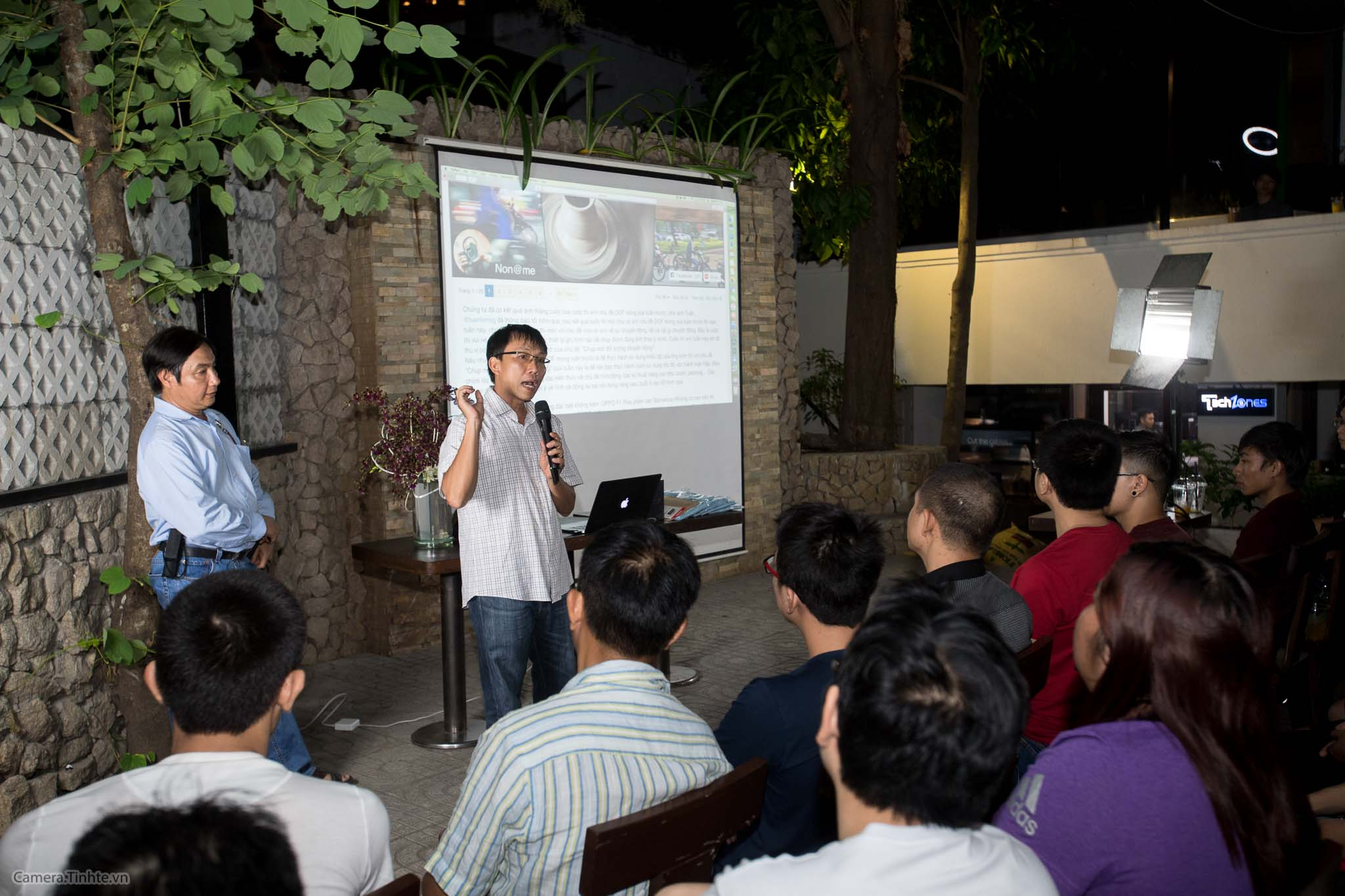 NACB 3 - Flash - Camera.tinhte.vn-1.jpg