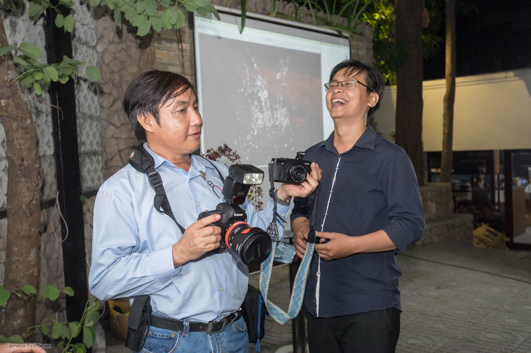 NACB 3 - Flash 2 - Camera.tinhte.vn-17.jpg