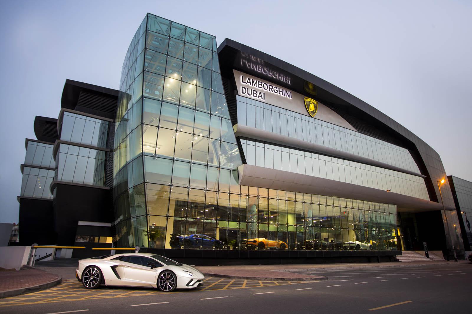 Lamborghini-Dubai-1.jpg