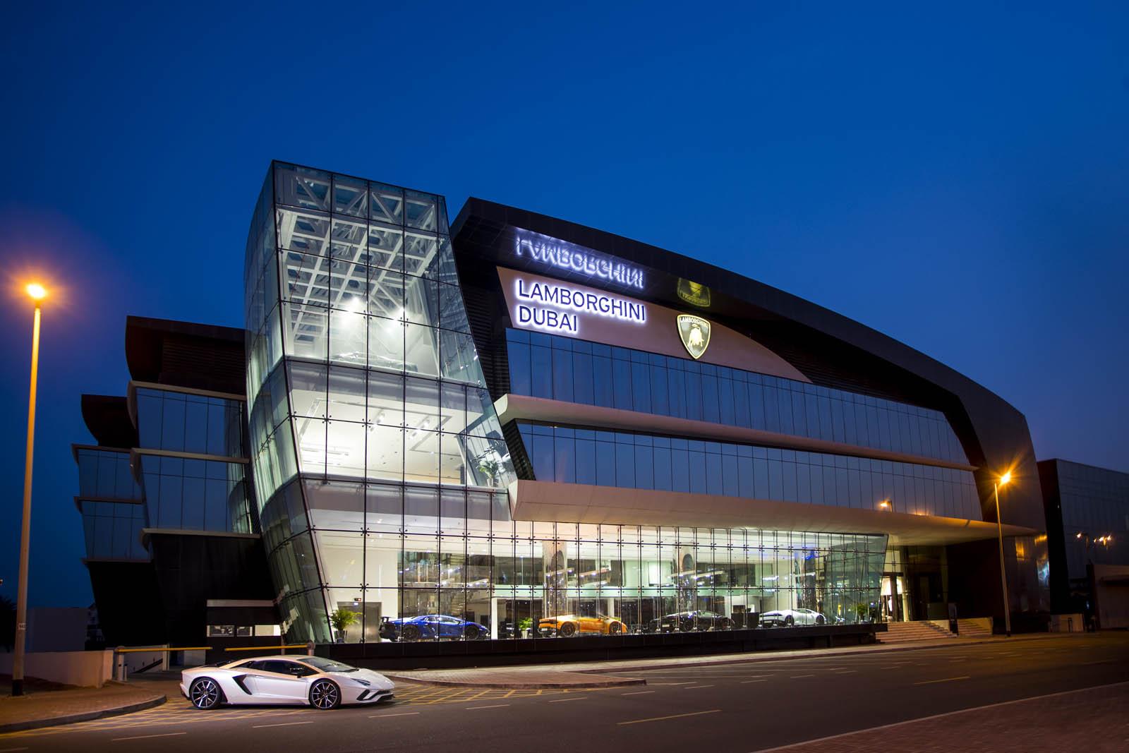 Lamborghini-Dubai-2.jpg