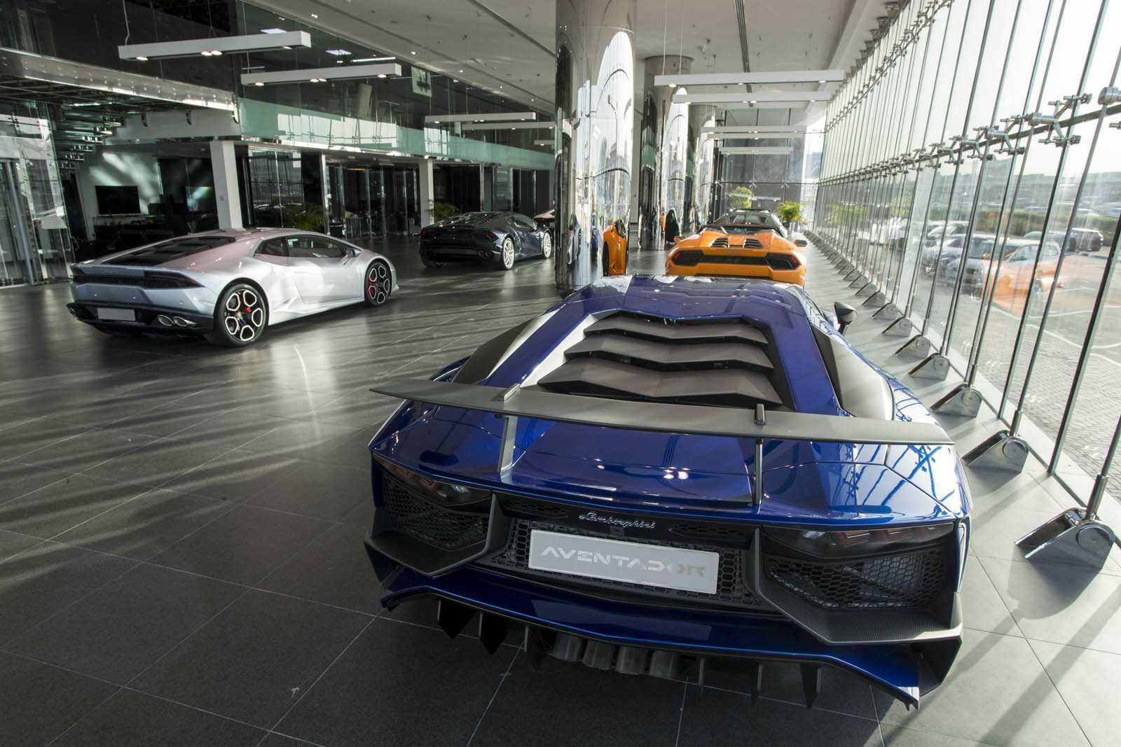 Lamborghini-Dubai-8.jpg