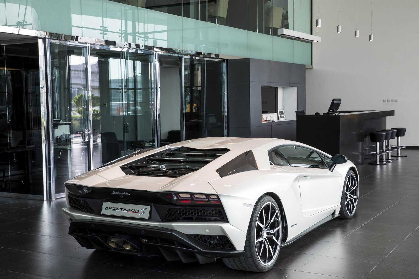 Lamborghini-Dubai-11.jpg