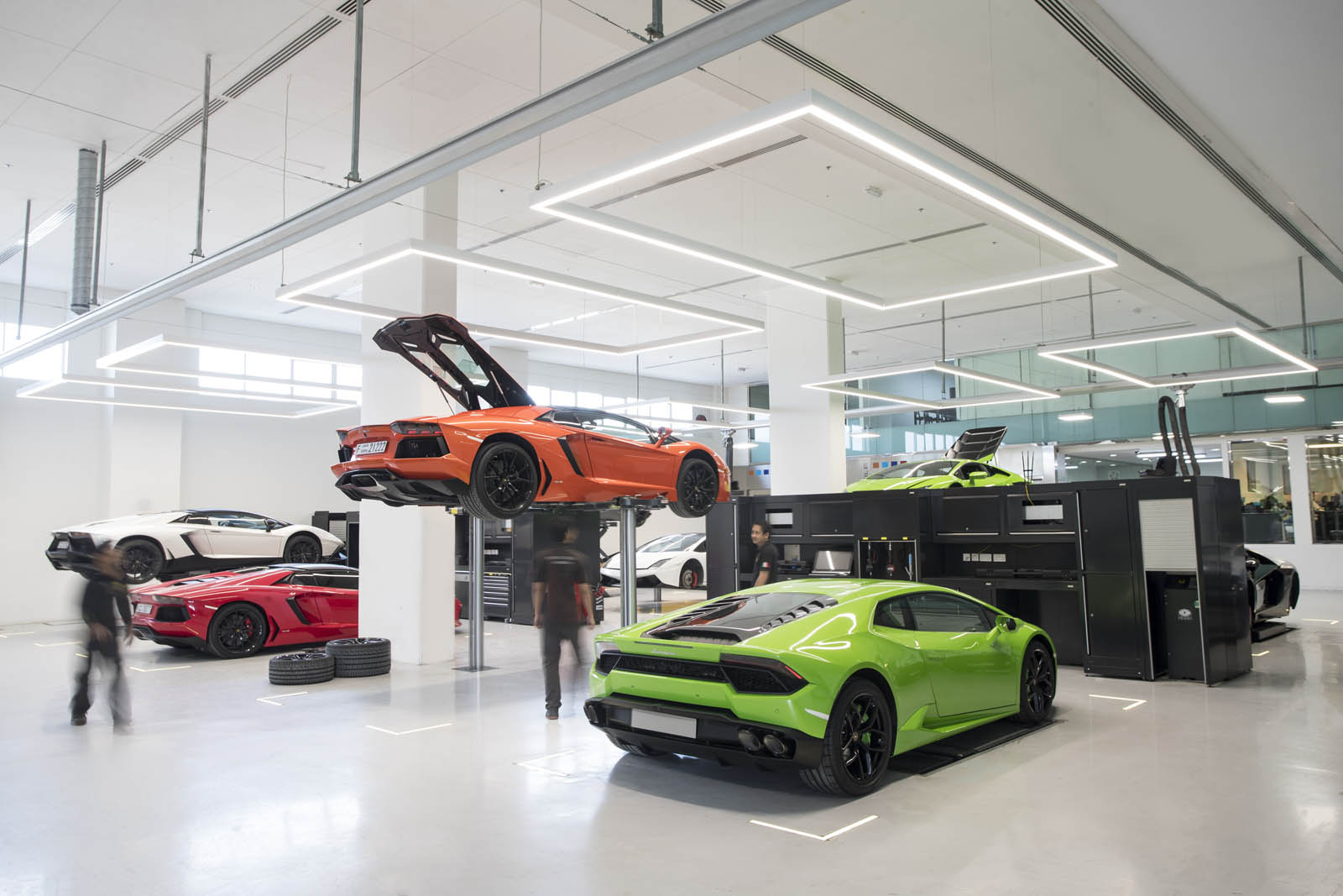 Lamborghini-Dubai-13.jpg
