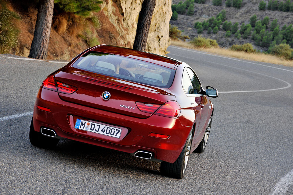 2012-BMW-6-Series-Coupe-81.jpg