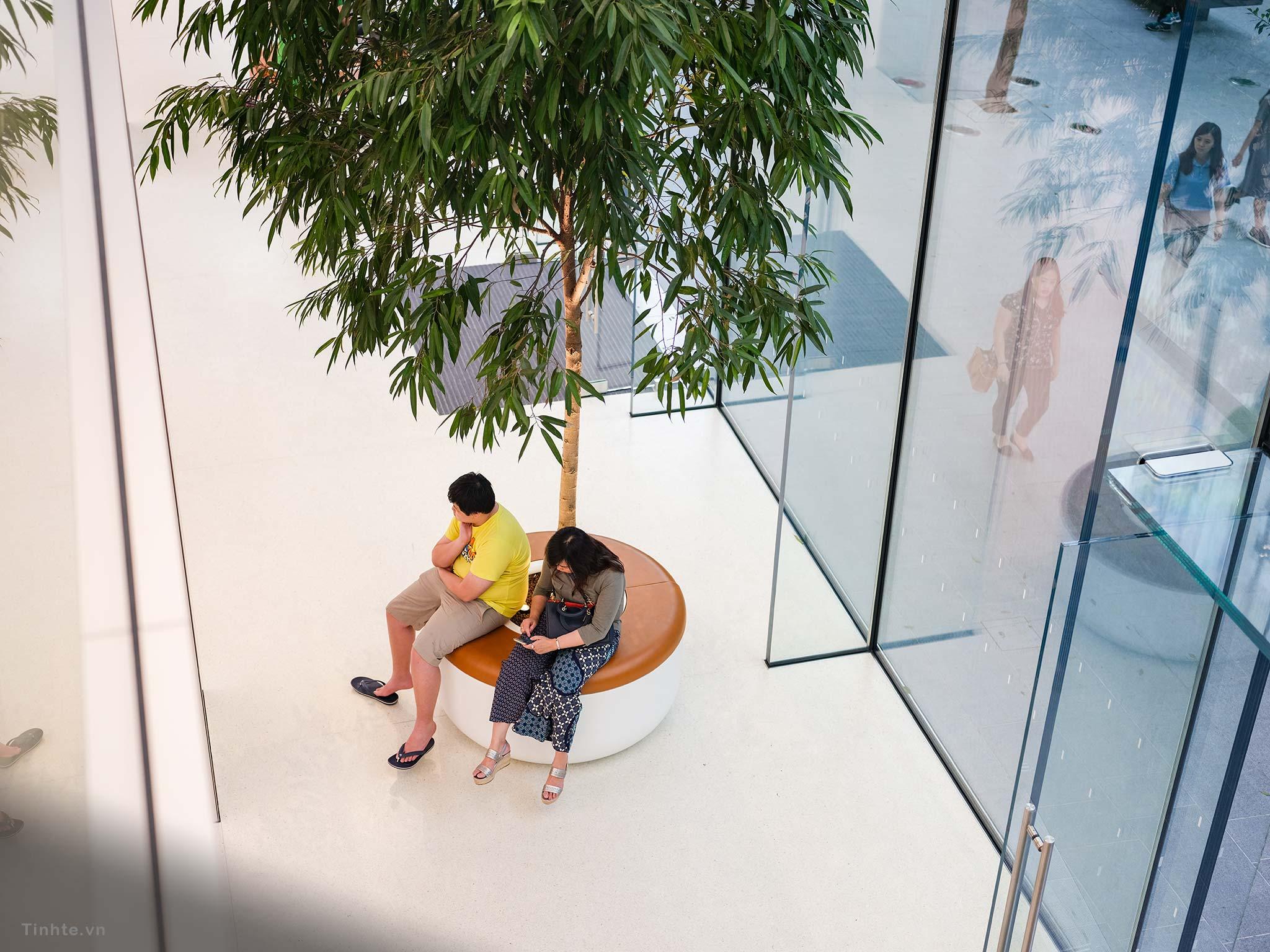 Apple-Store-Singapore-12.jpg
