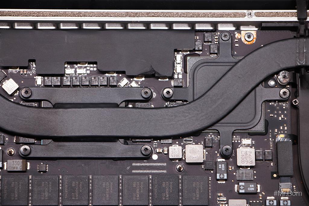 thay-keo-tan-nhiet-cho-macbook-pro-retina-7.jpg