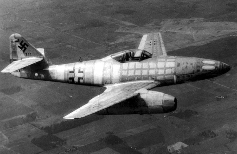 Messerschmitt-Me-262-Schwable.jpg