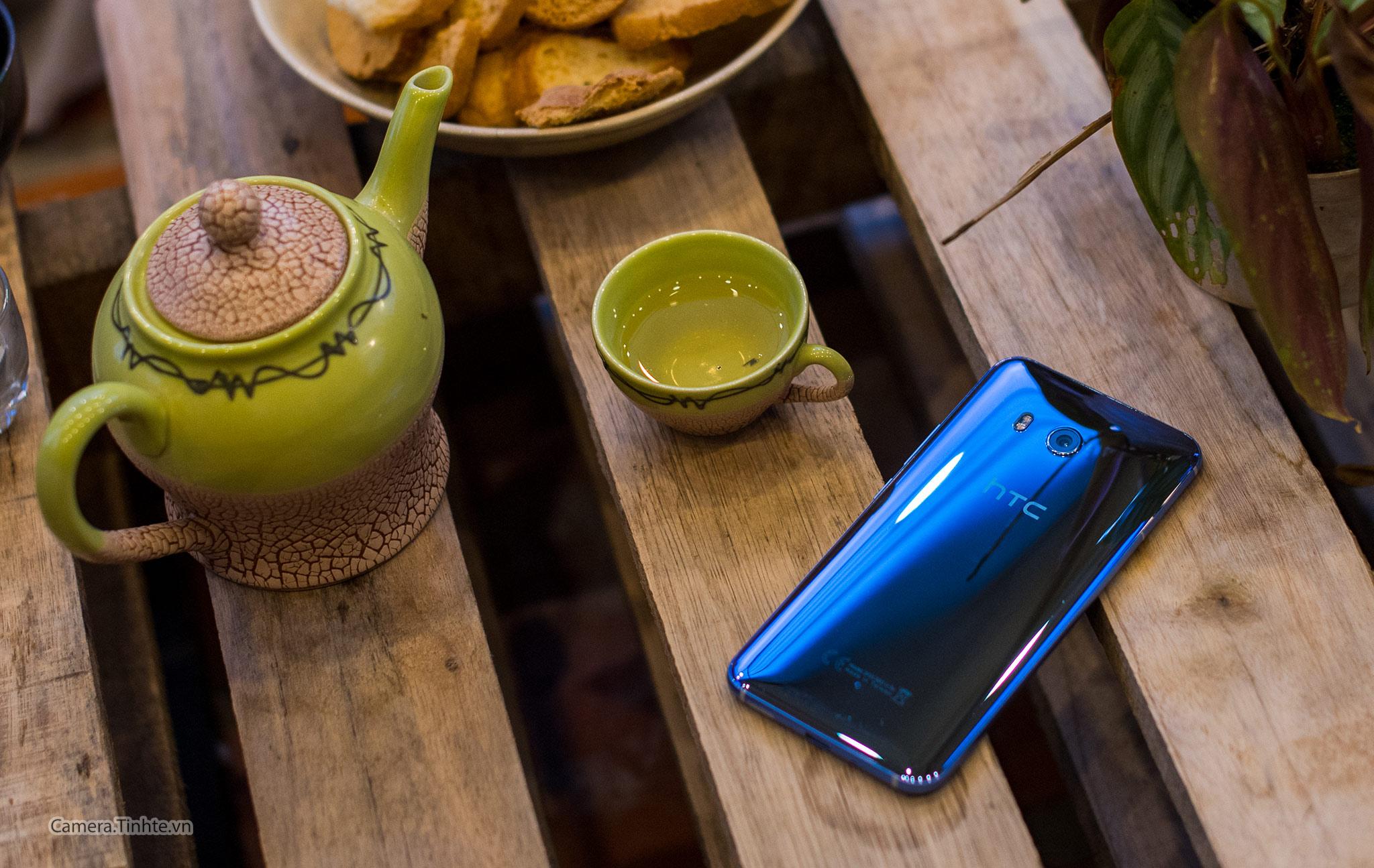 HTC U1.jpg