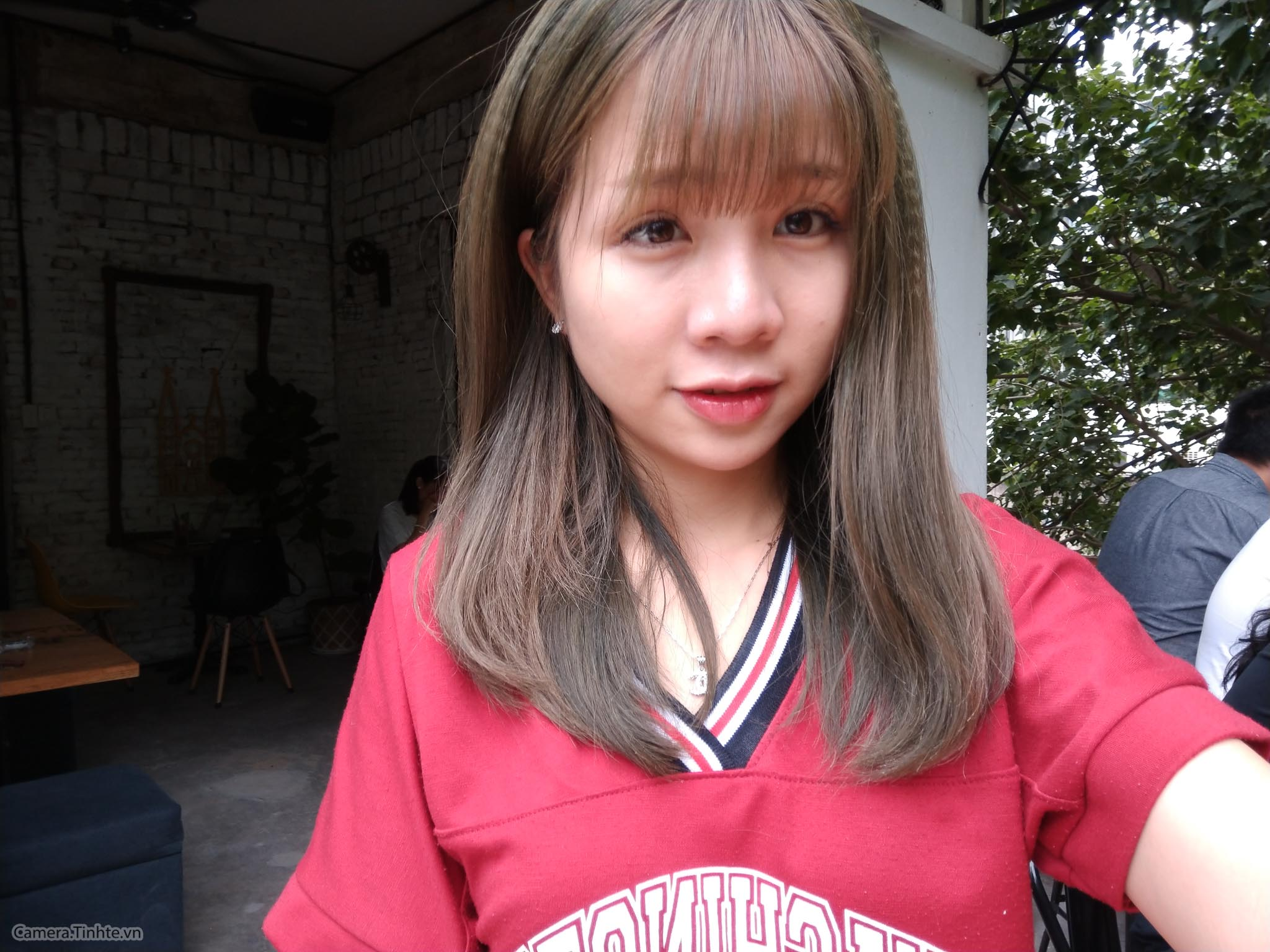4094275_Camera.Tinhte_HTC_U11_selfie_IMAG0429.jpg