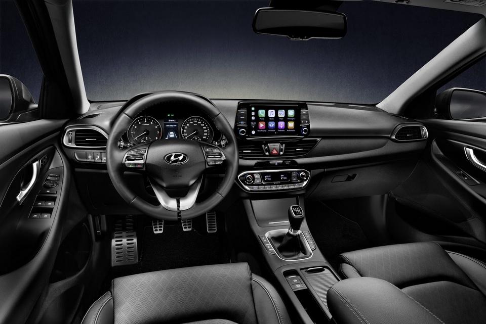 hyundai-i30-fastback-revealed-7.jpg