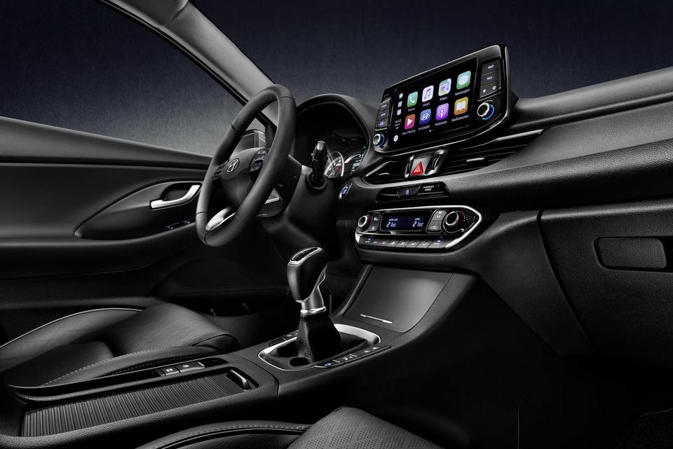 hyundai-i30-fastback-revealed-8.jpg