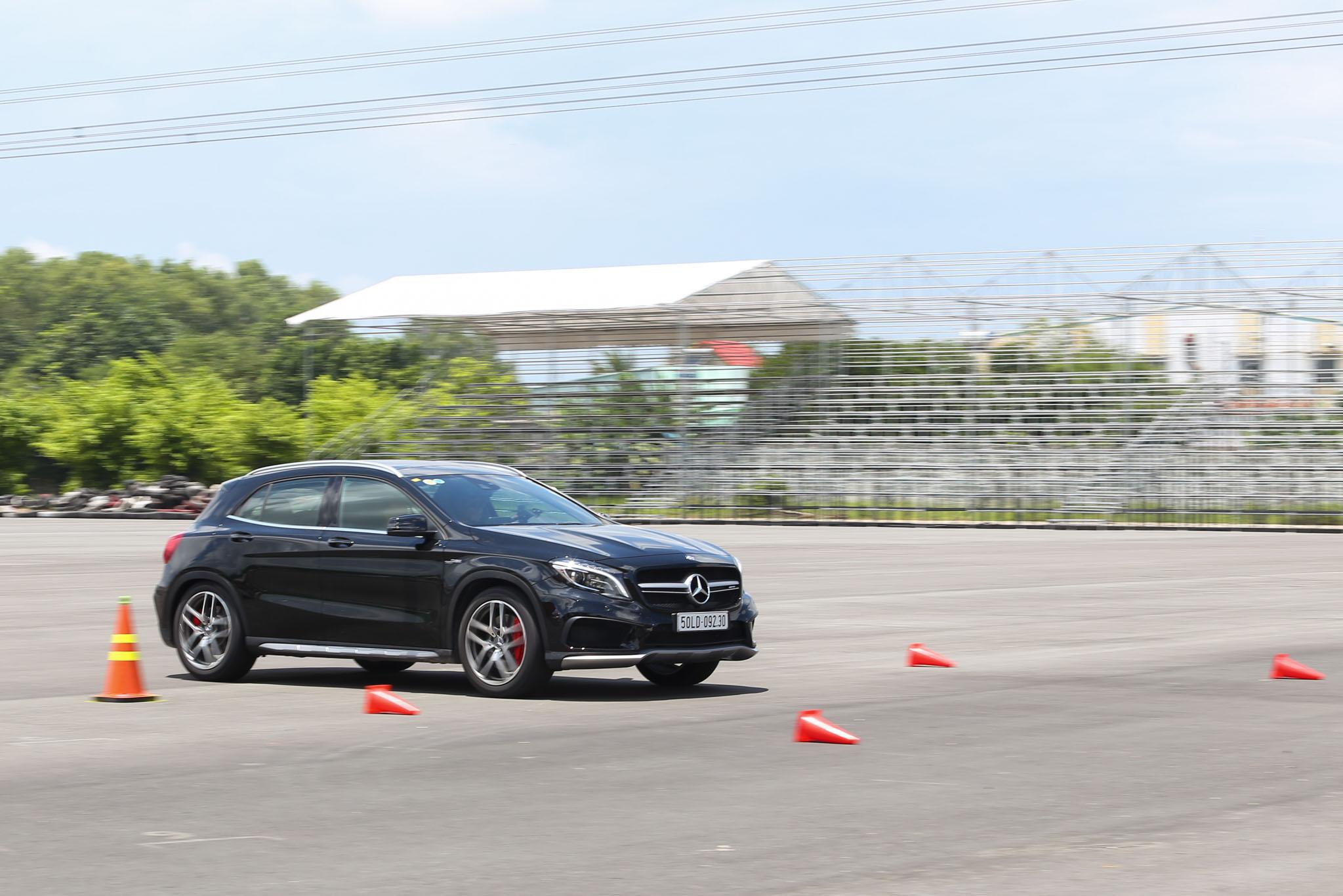 Xe.Tinhte.vn-Mercedes-AMG-GLA-45-4MATIC-1.jpg