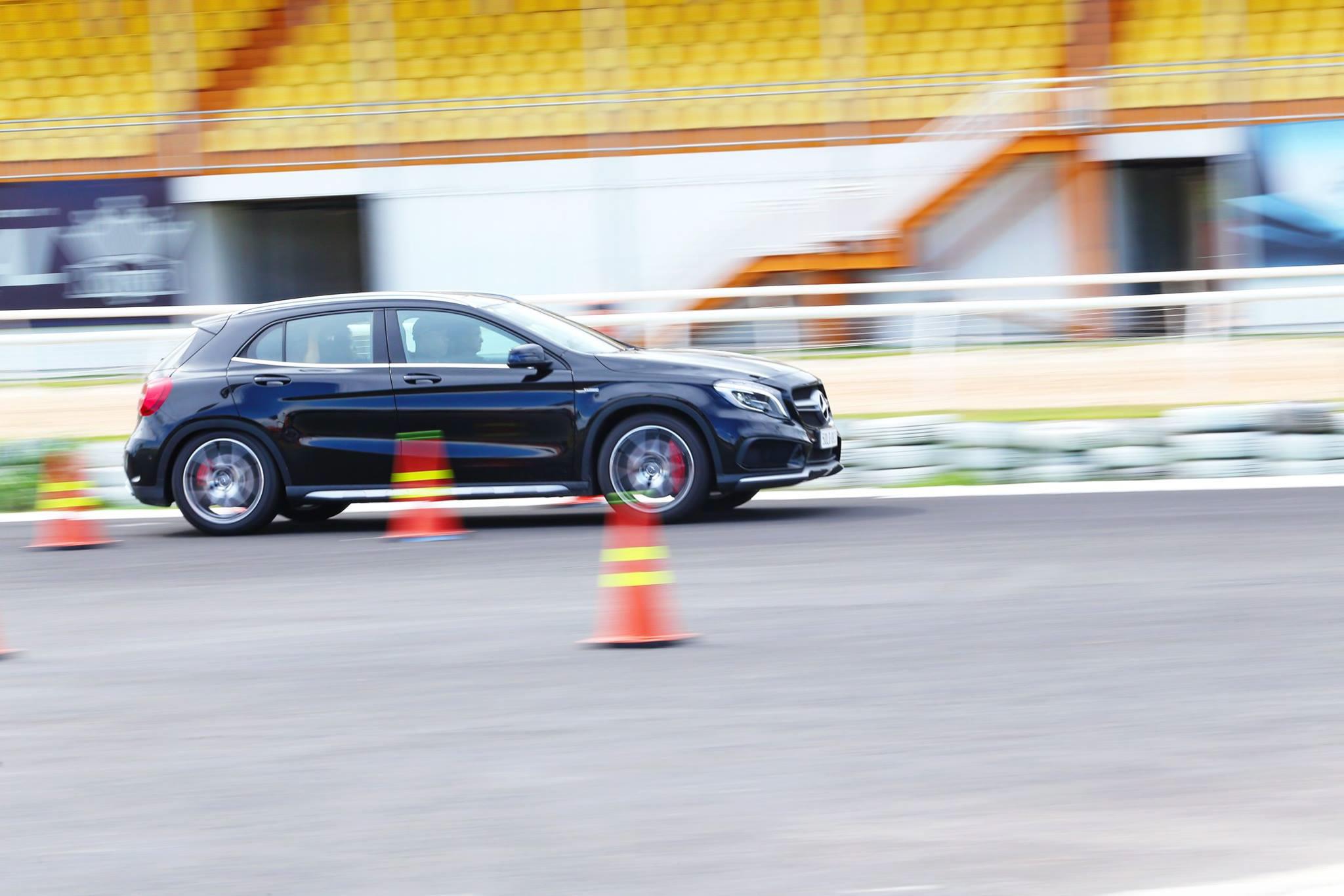 Xe.Tinhte.vn-Mercedes-AMG-GLA-45-4MATIC-2-2.jpg