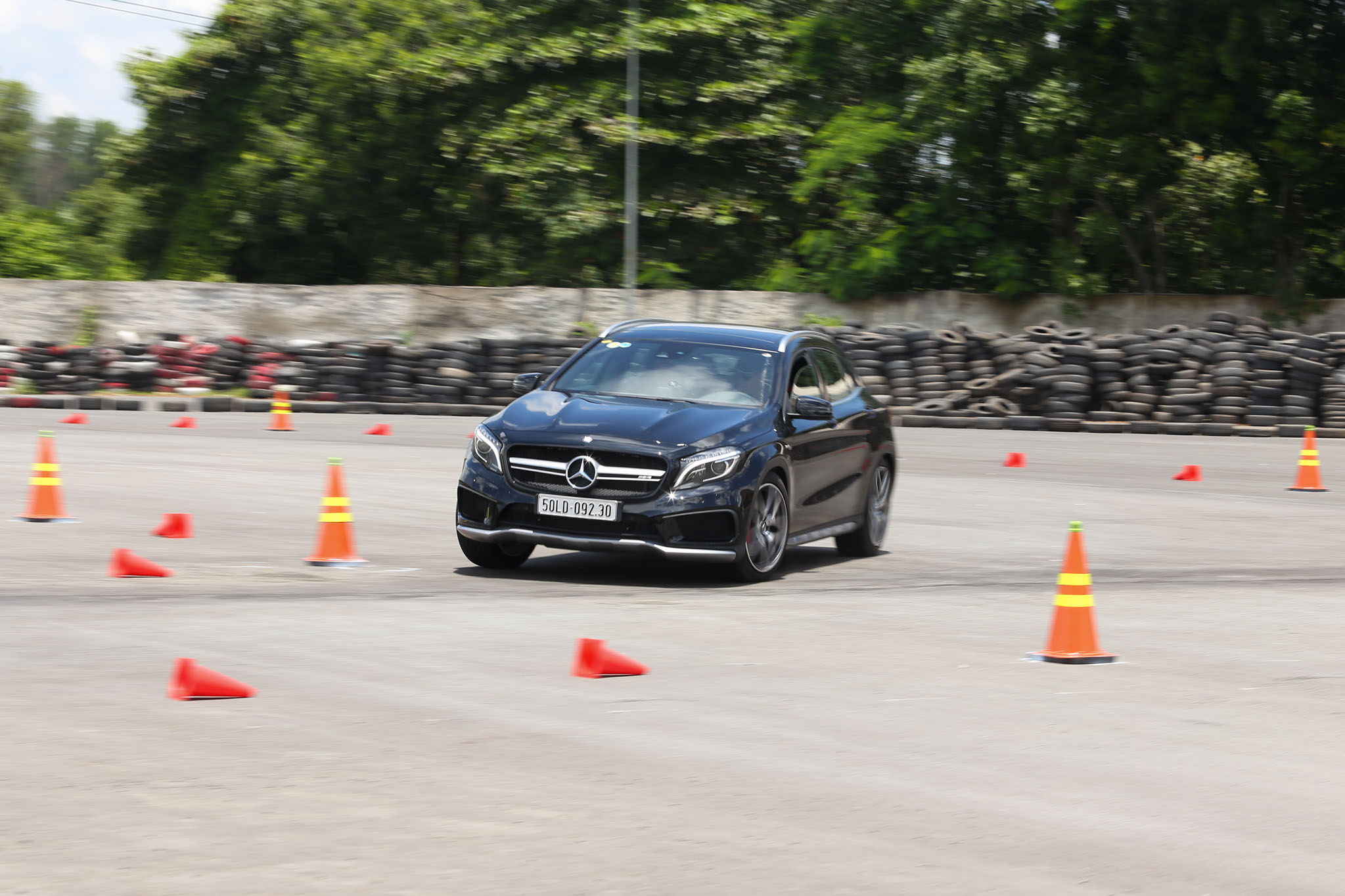 Xe.Tinhte.vn-Mercedes-AMG-GLA-45-4MATIC-3.jpg