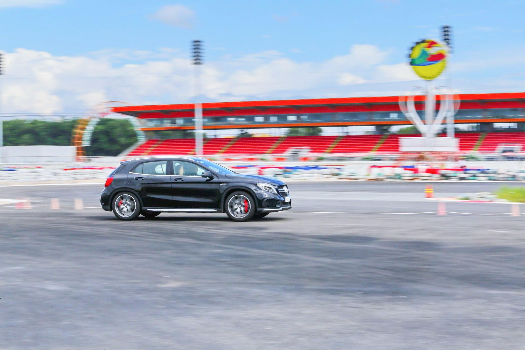 Xe.Tinhte.vn-Mercedes-AMG-GLA-45-4MATIC-4-2.jpg