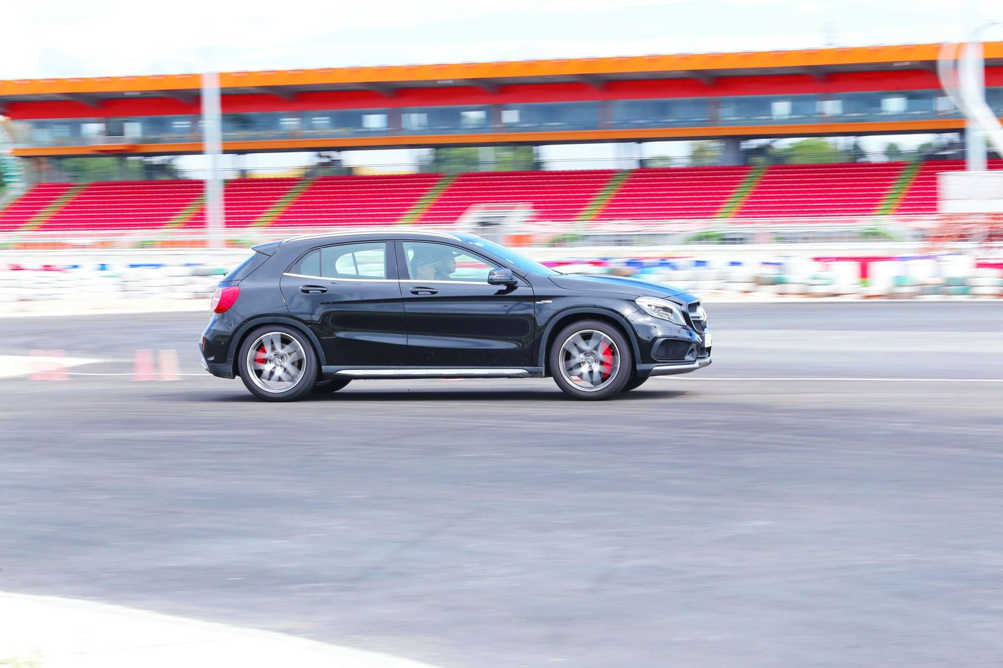 Xe.Tinhte.vn-Mercedes-AMG-GLA-45-4MATIC-5-2.jpg