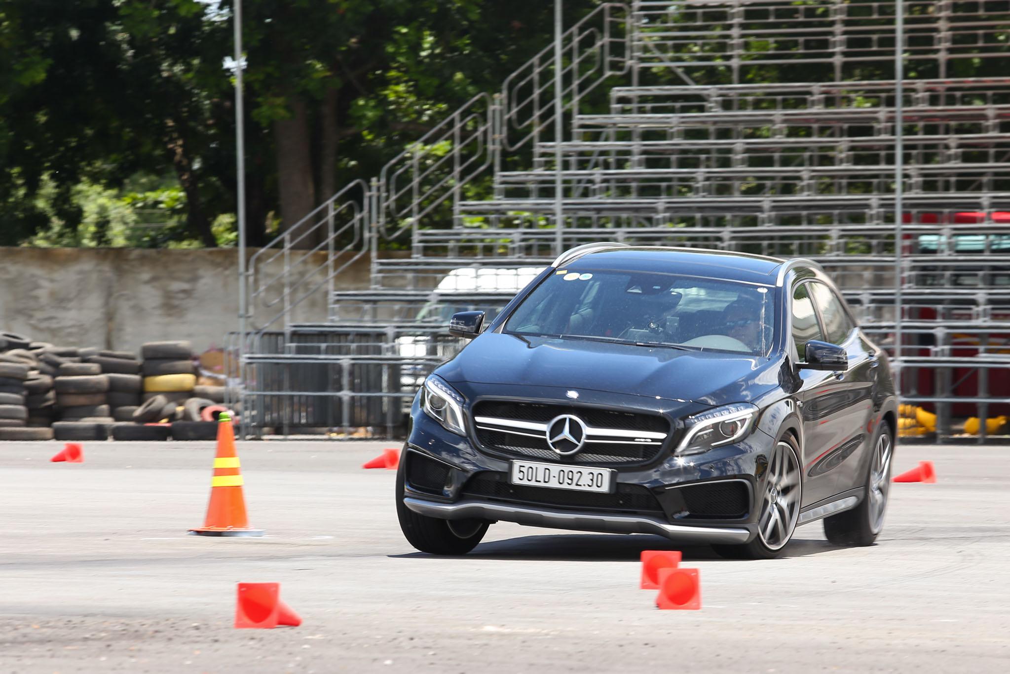 Xe.Tinhte.vn-Mercedes-AMG-GLA-45-4MATIC-7.jpg
