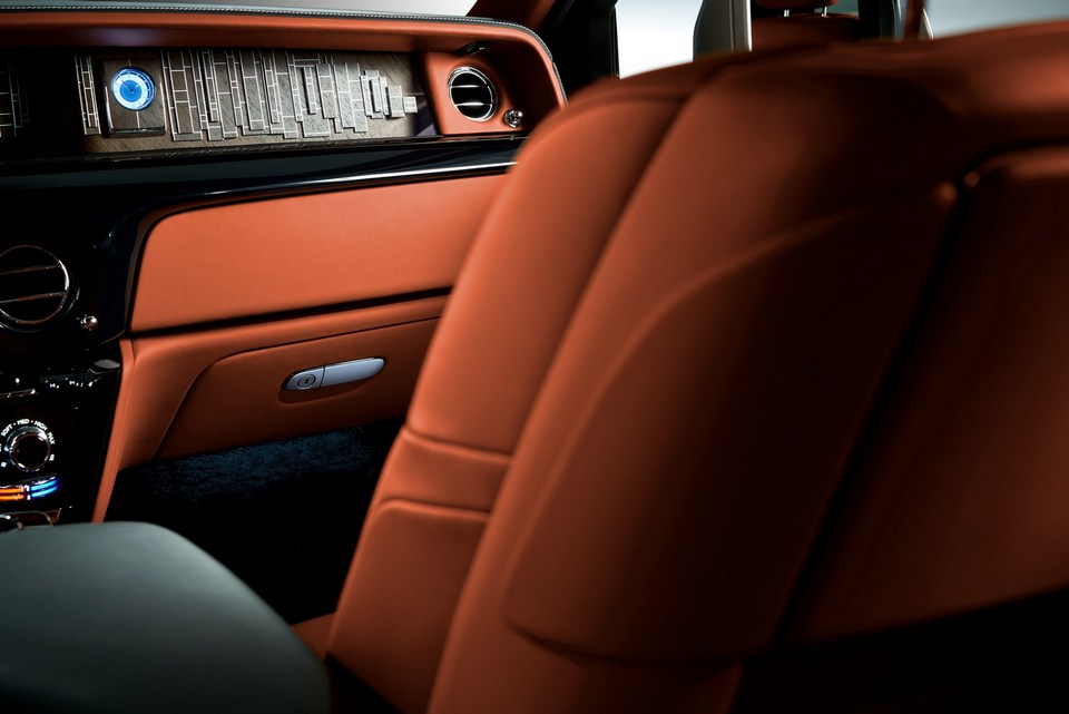Rolls-Royce-Phantom-28.jpg