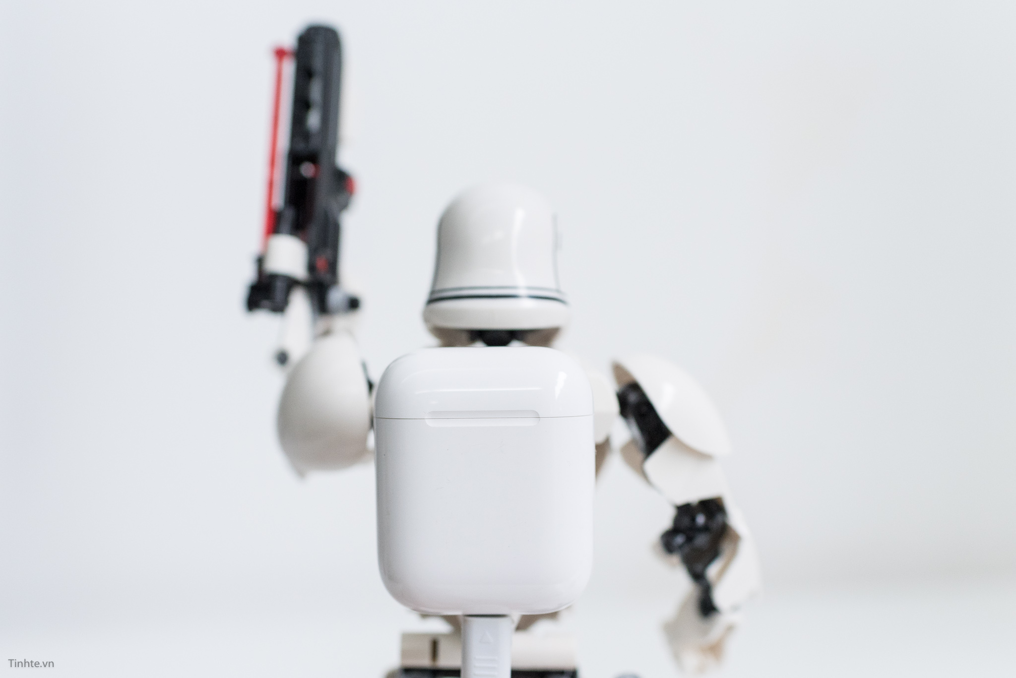 airpods-stormtrooper-tinhte-5.jpg