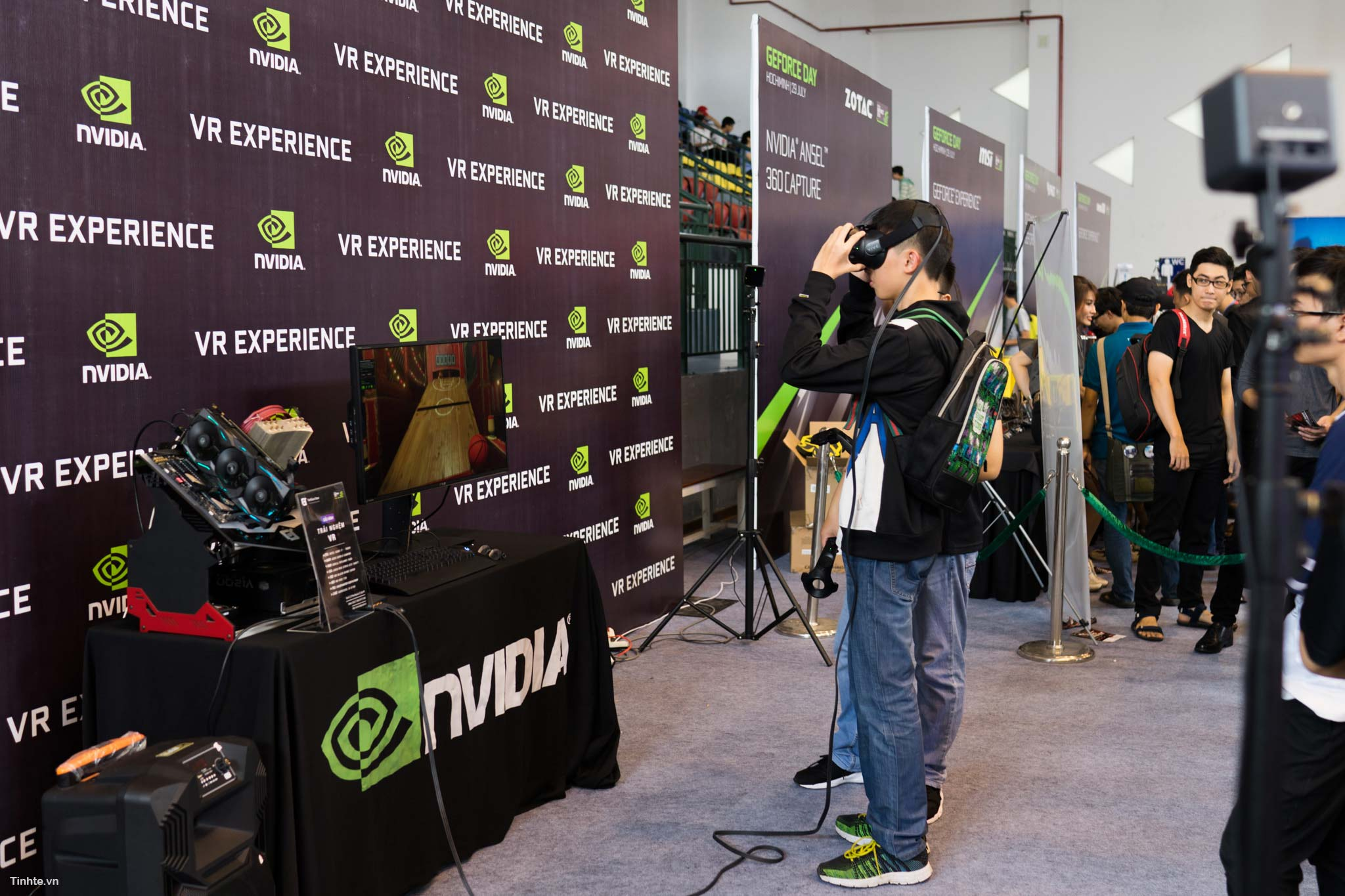 GeForce_Day_2017-10.jpg