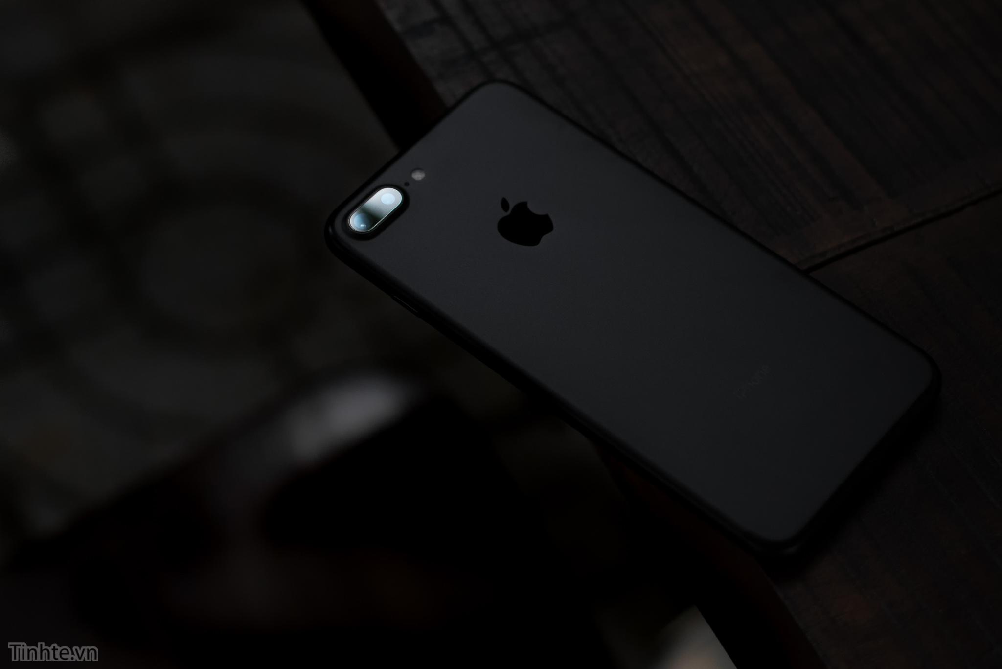 iPhone_7_Plus_camera.jpg