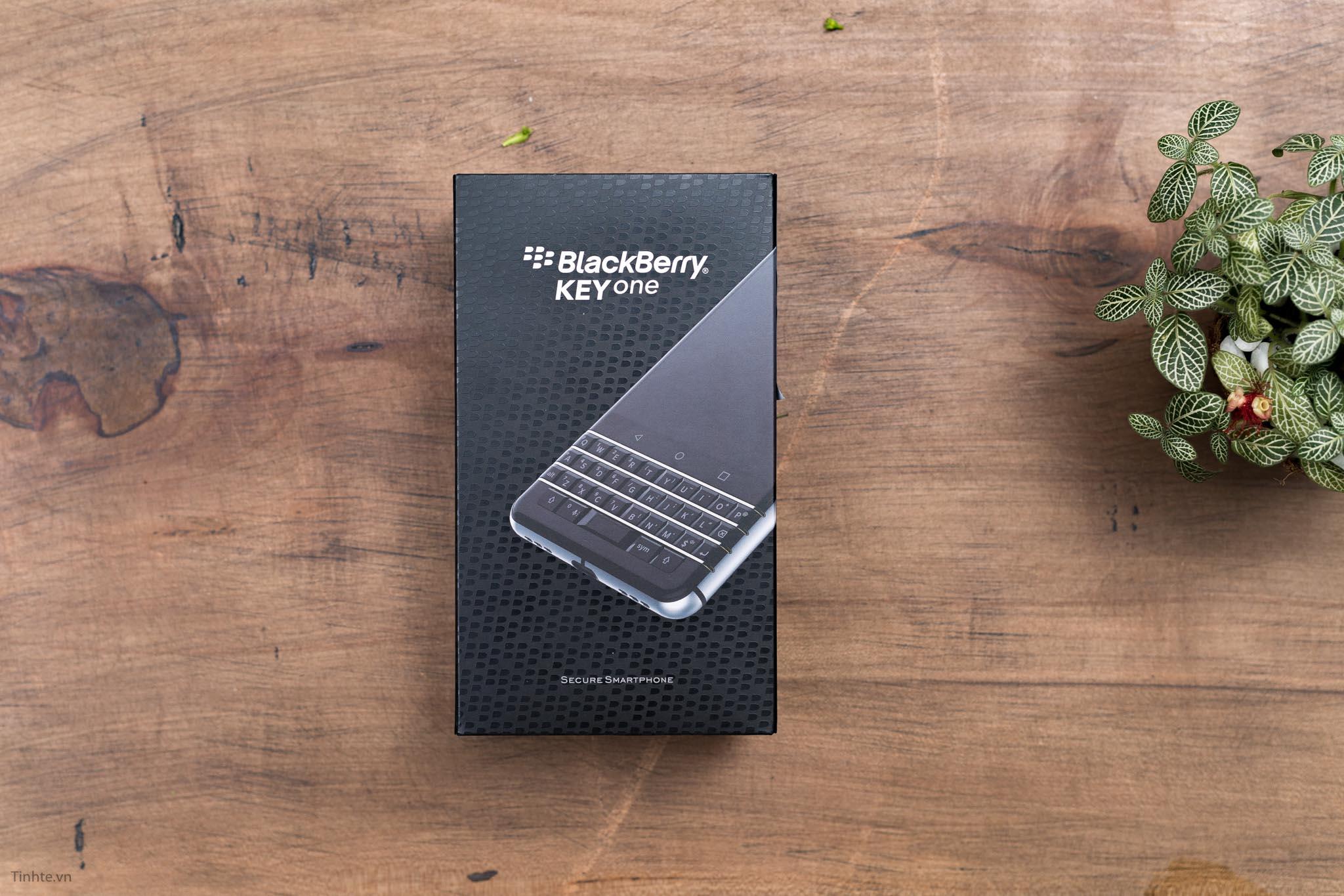 BlackBerry-KEYone-tinhte-1.jpg