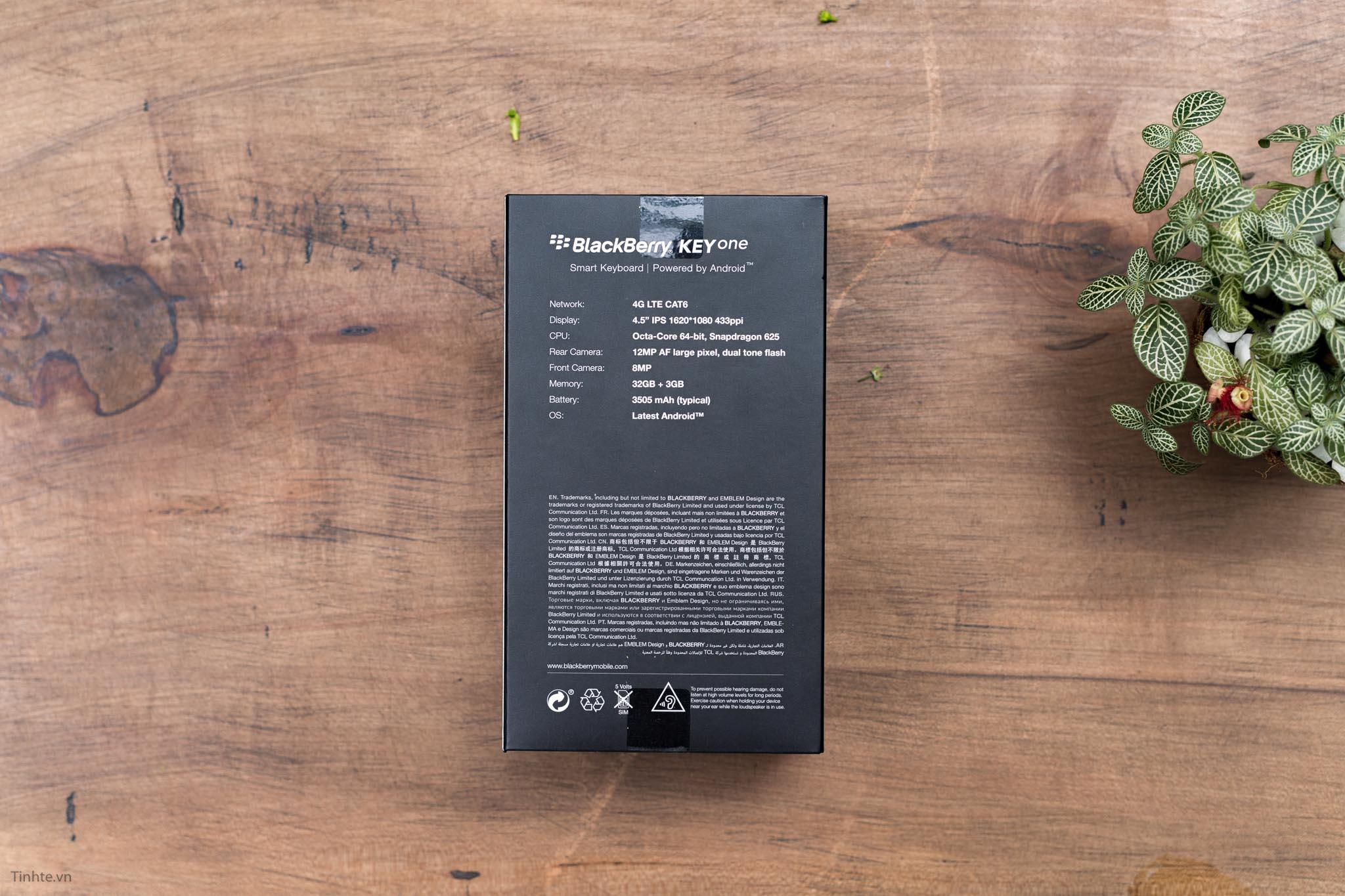 BlackBerry-KEYone-tinhte-4.jpg