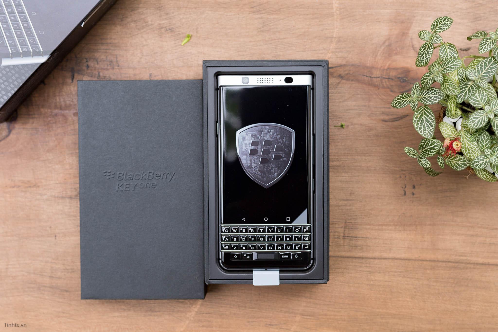 BlackBerry-KEYone-tinhte-6.jpg