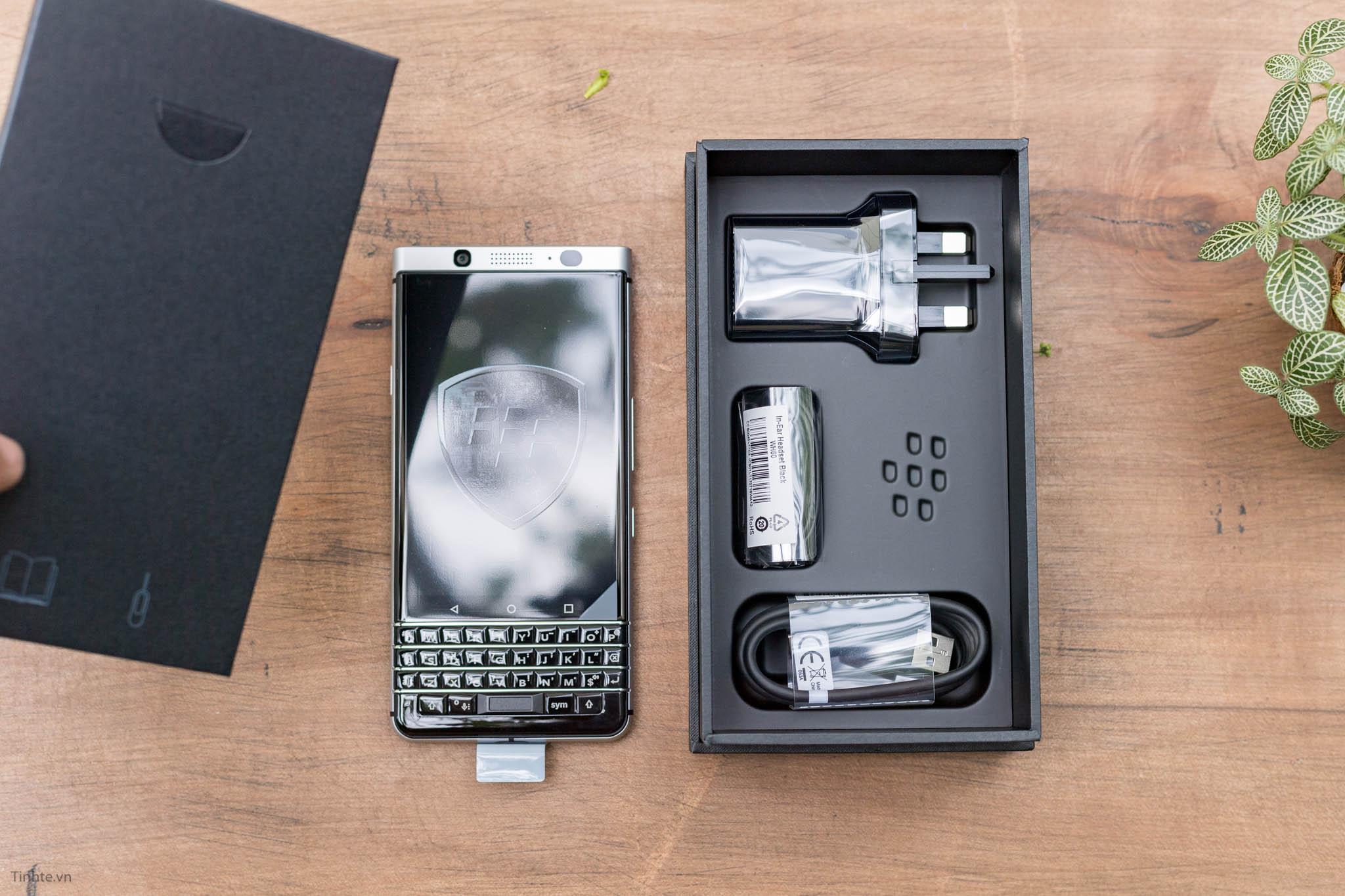 BlackBerry-KEYone-tinhte-8.jpg