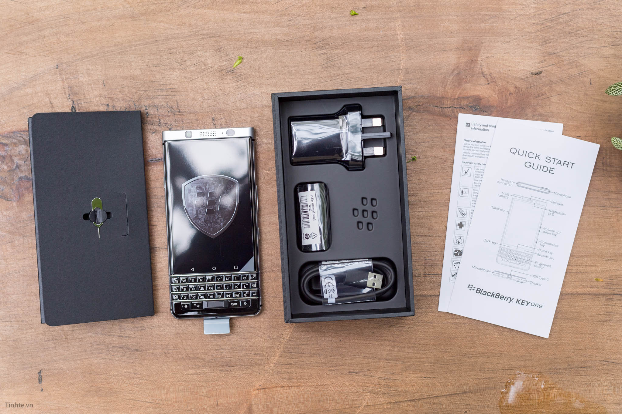 BlackBerry-KEYone-tinhte-9.jpg