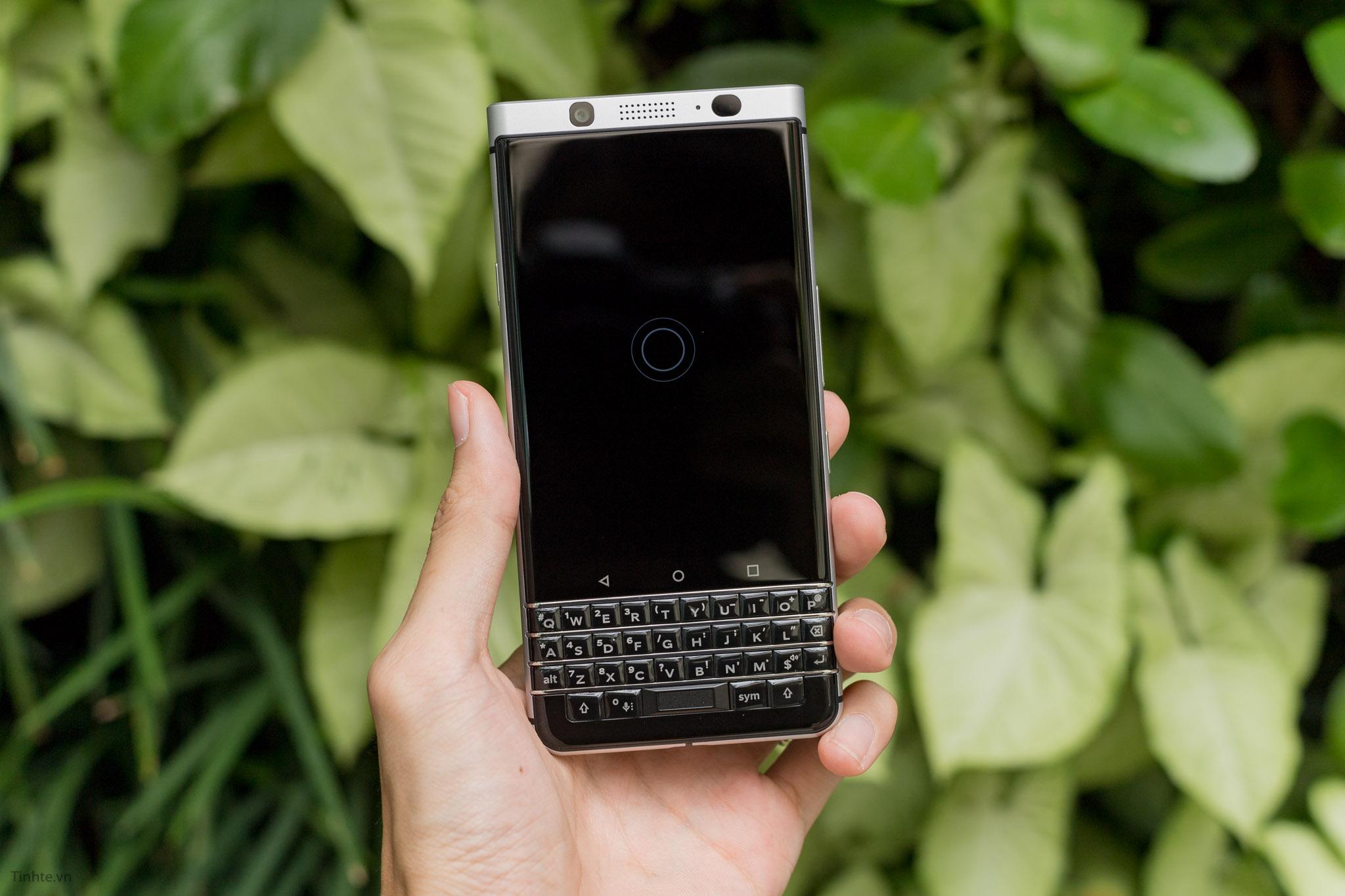 BlackBerry-KEYone-tinhte-14.jpg