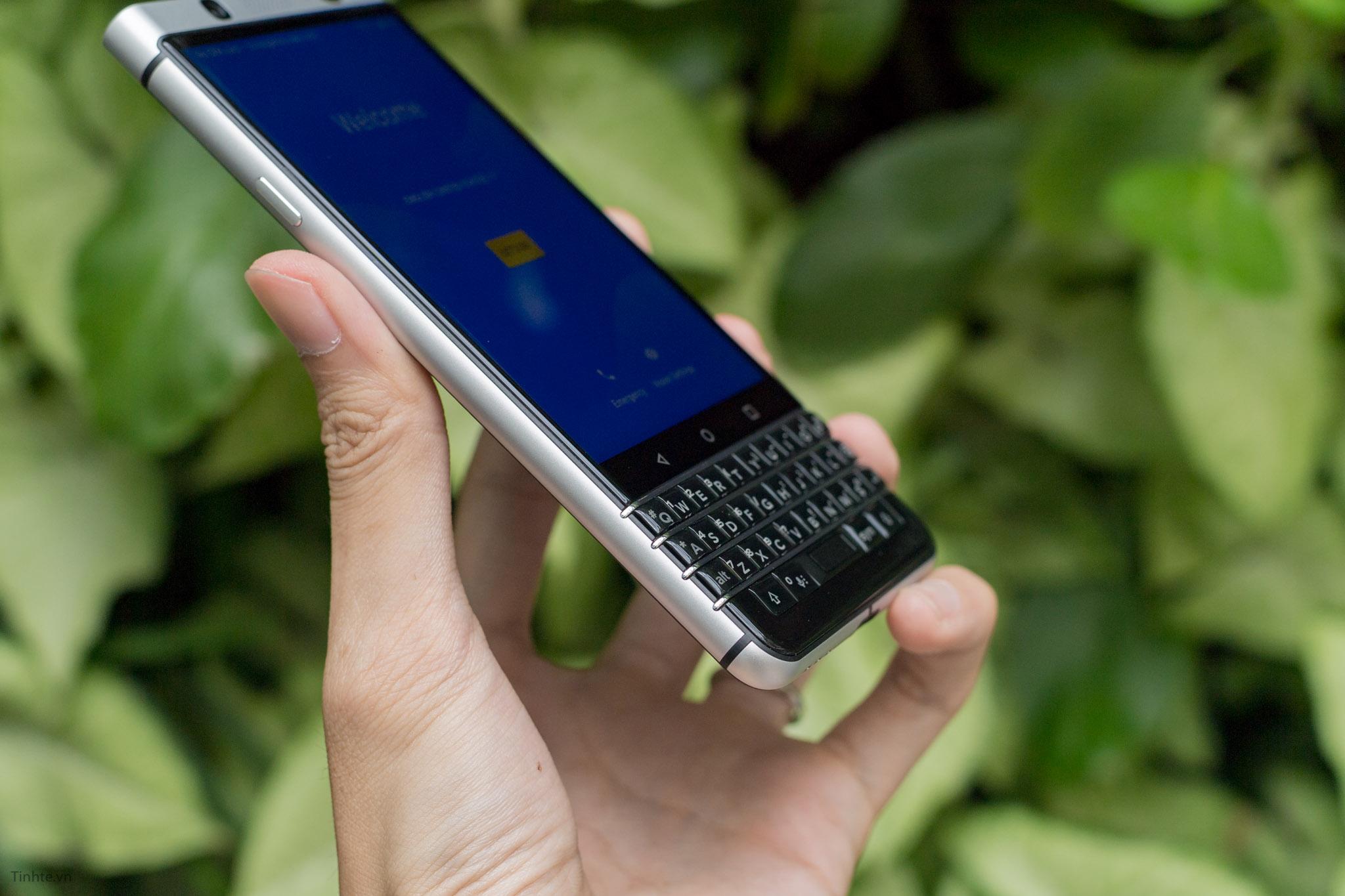 BlackBerry-KEYone-tinhte-17.jpg