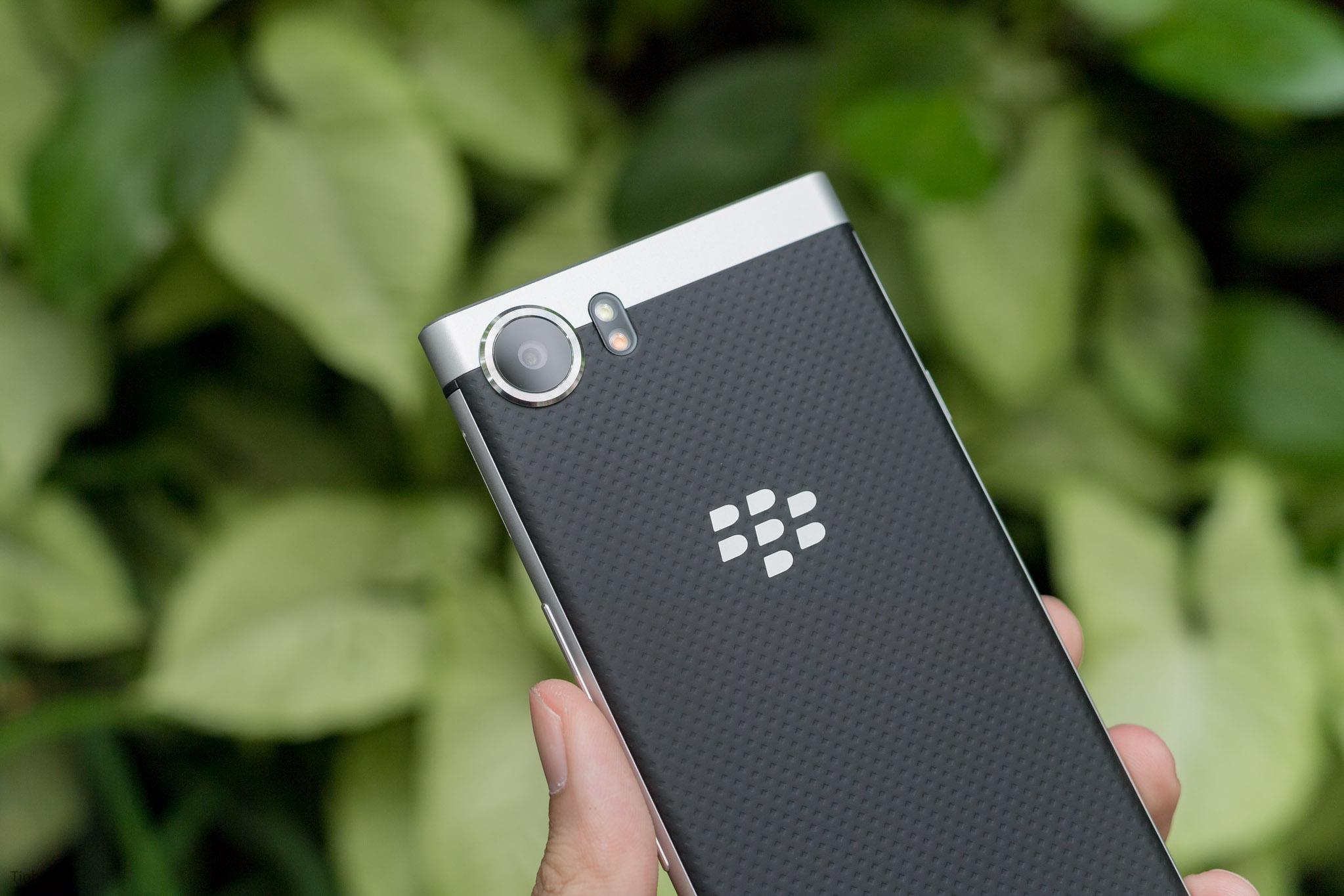 BlackBerry-KEYone-tinhte-26.jpg