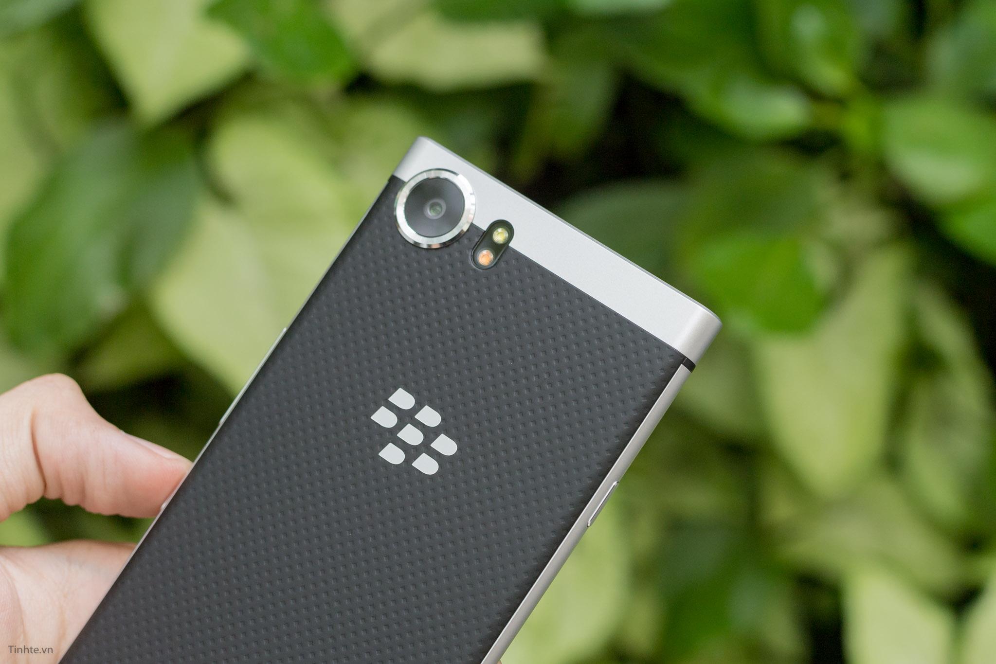 BlackBerry-KEYone-tinhte-28.jpg