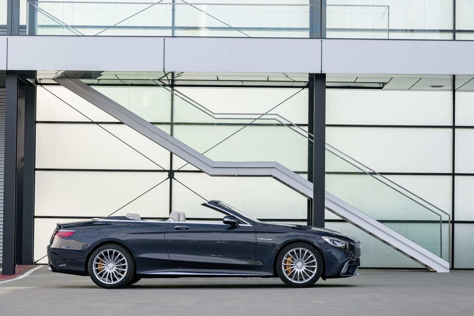 2018-Mercedes-AMG-S63-S65-Coupe-Cabriolet-55.JPG