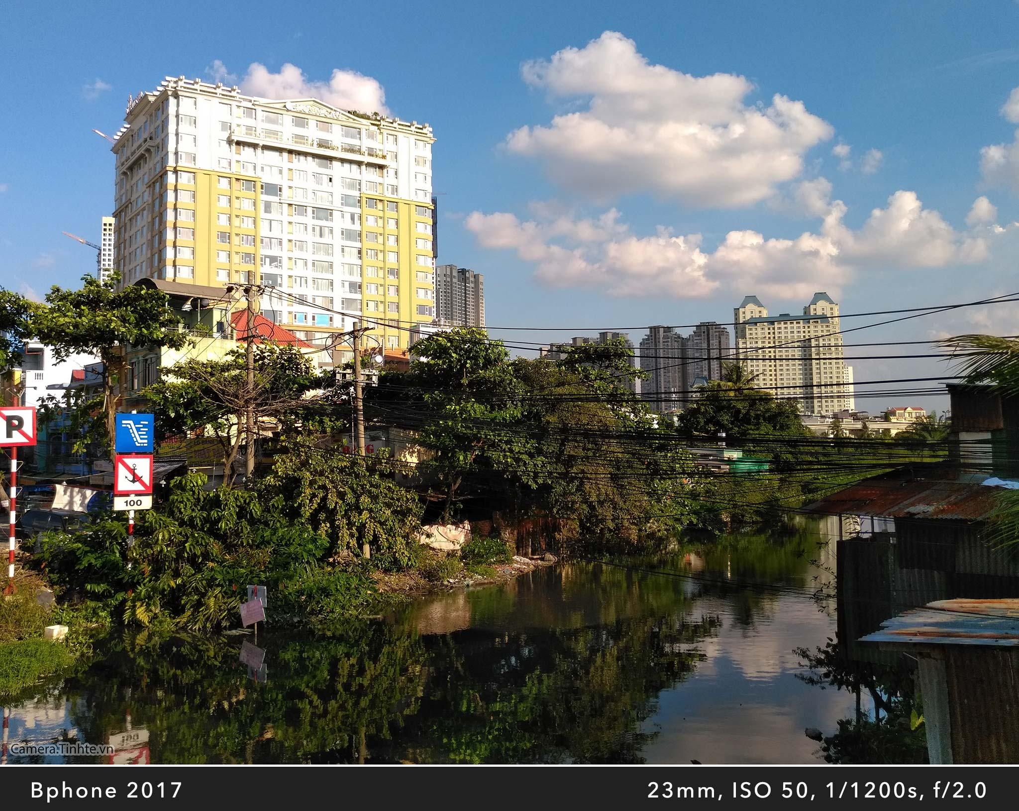 Camera.Tinhte_Review-BPhone2017_IMG_20170821_162727.jpg