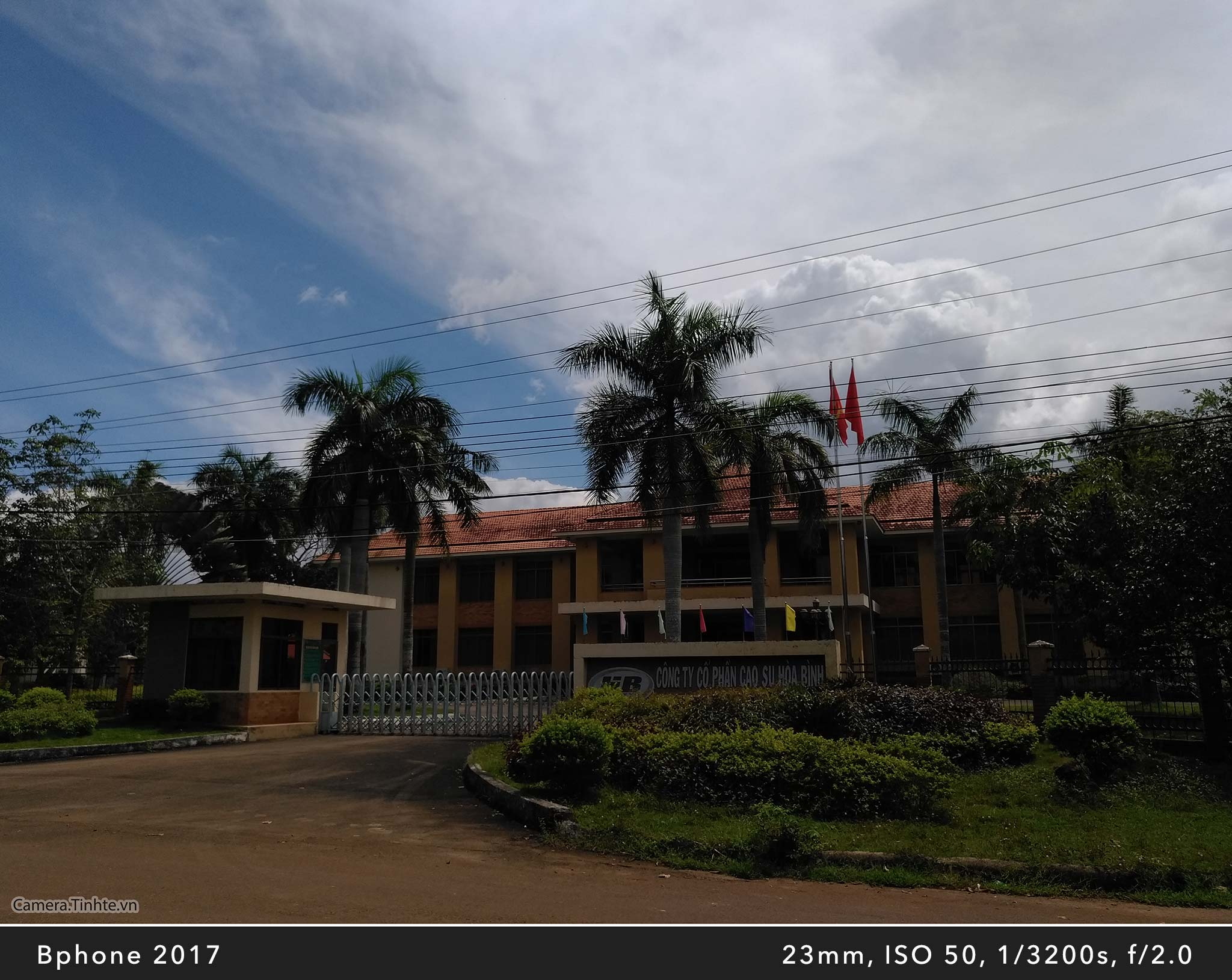 Camera.Tinhte_Review-BPhone2017_IMG_20170924_104722_1.jpg