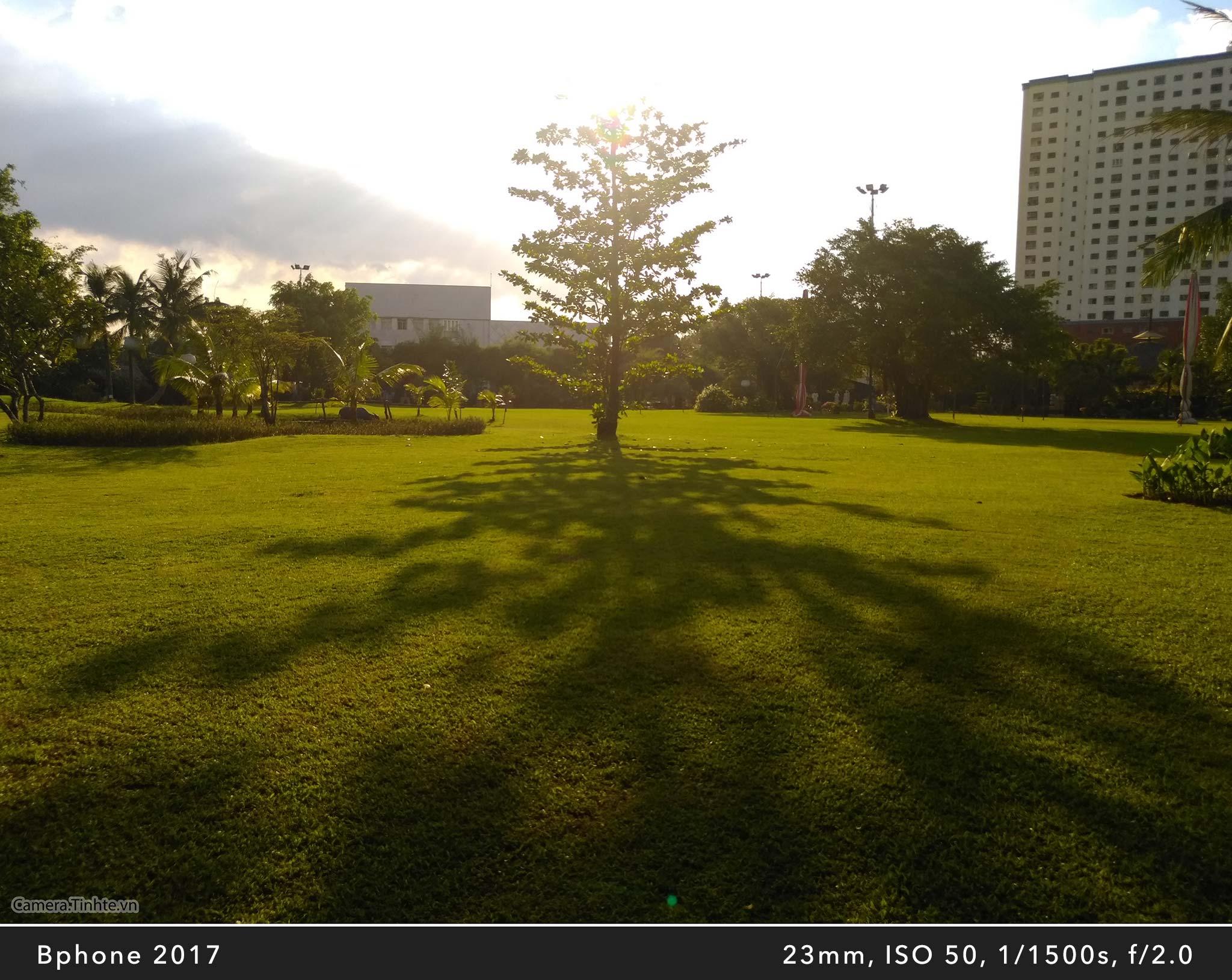 Camera.Tinhte_Review-BPhone2017_IMG_20170821_164854_1.jpg