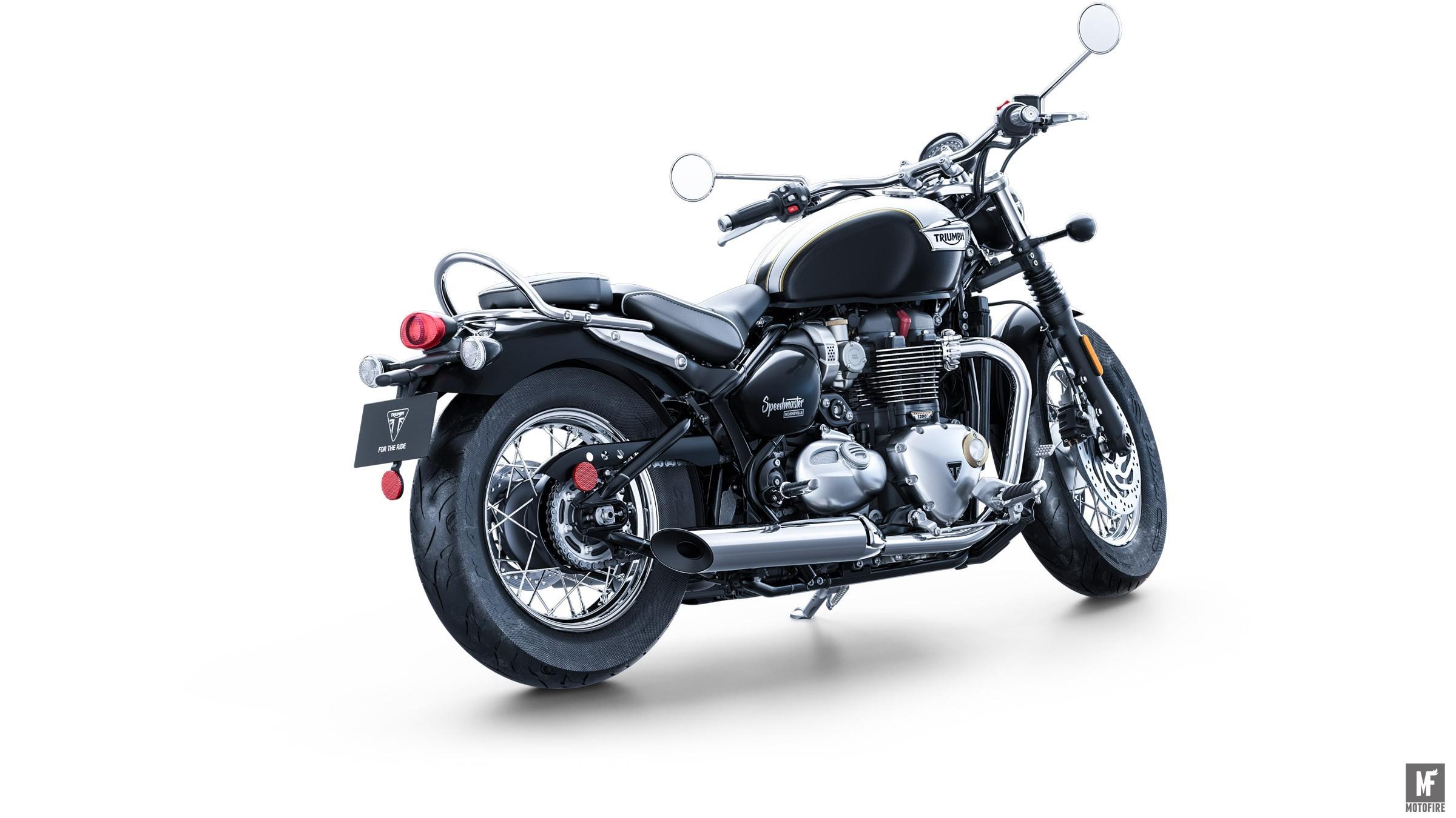 motofire-Speedmaster_Rear_3-4_Fusion_White_Phantom_Black.jpg