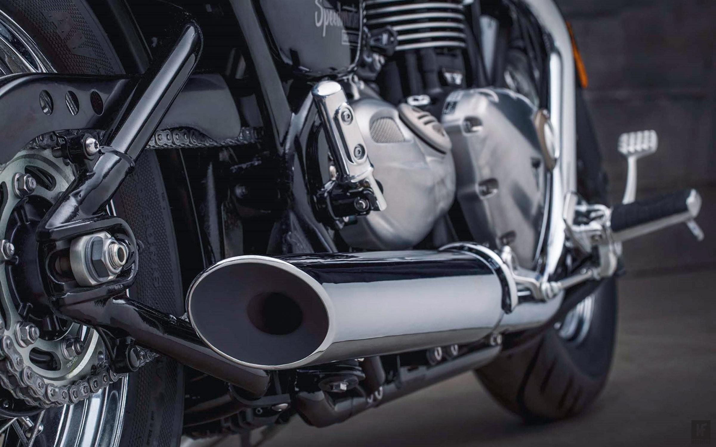 Triumph-Bonneville-Speedmaster-2018-Motofire-8.jpg