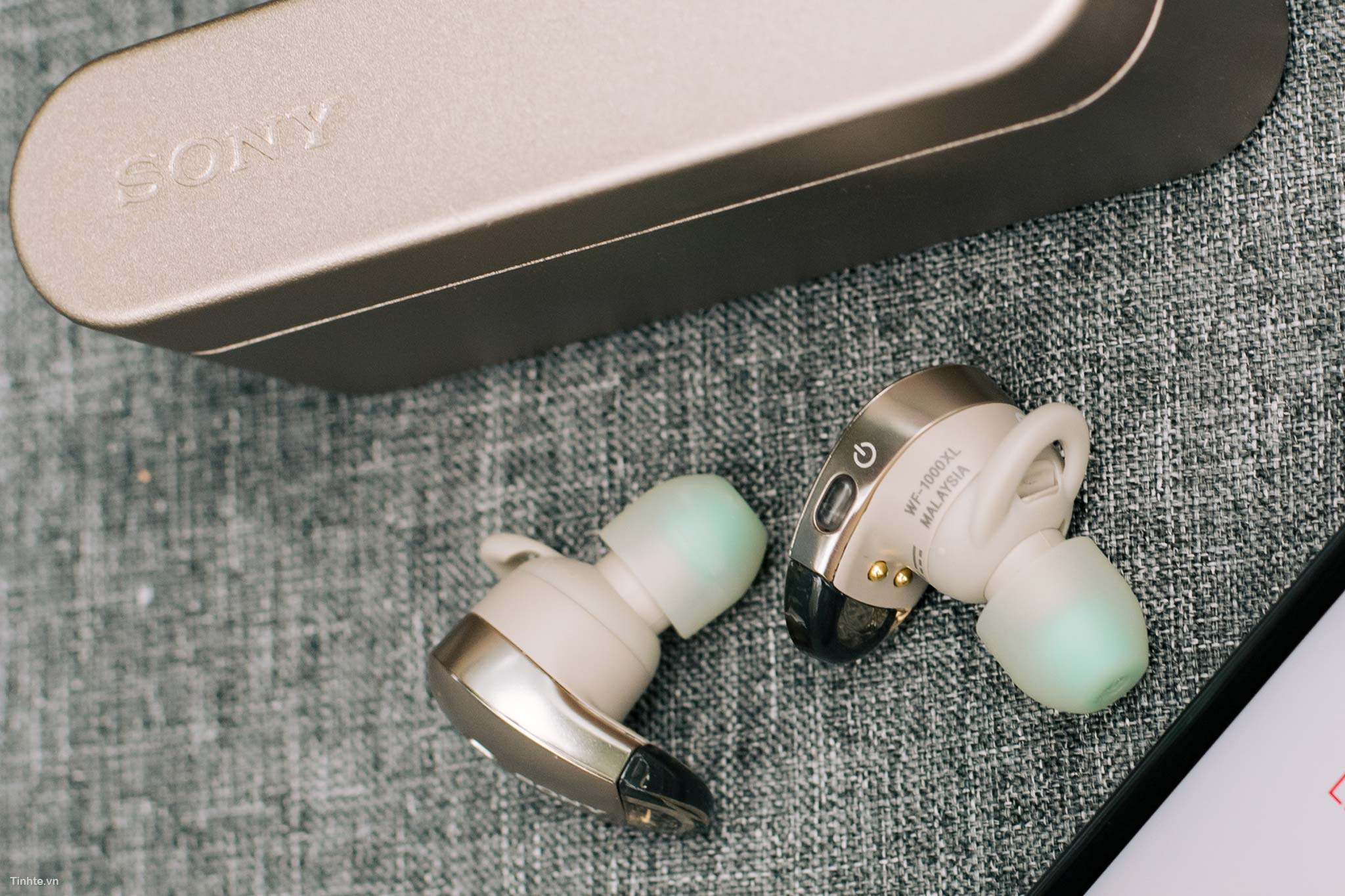 Sony-WF1000X1.jpg