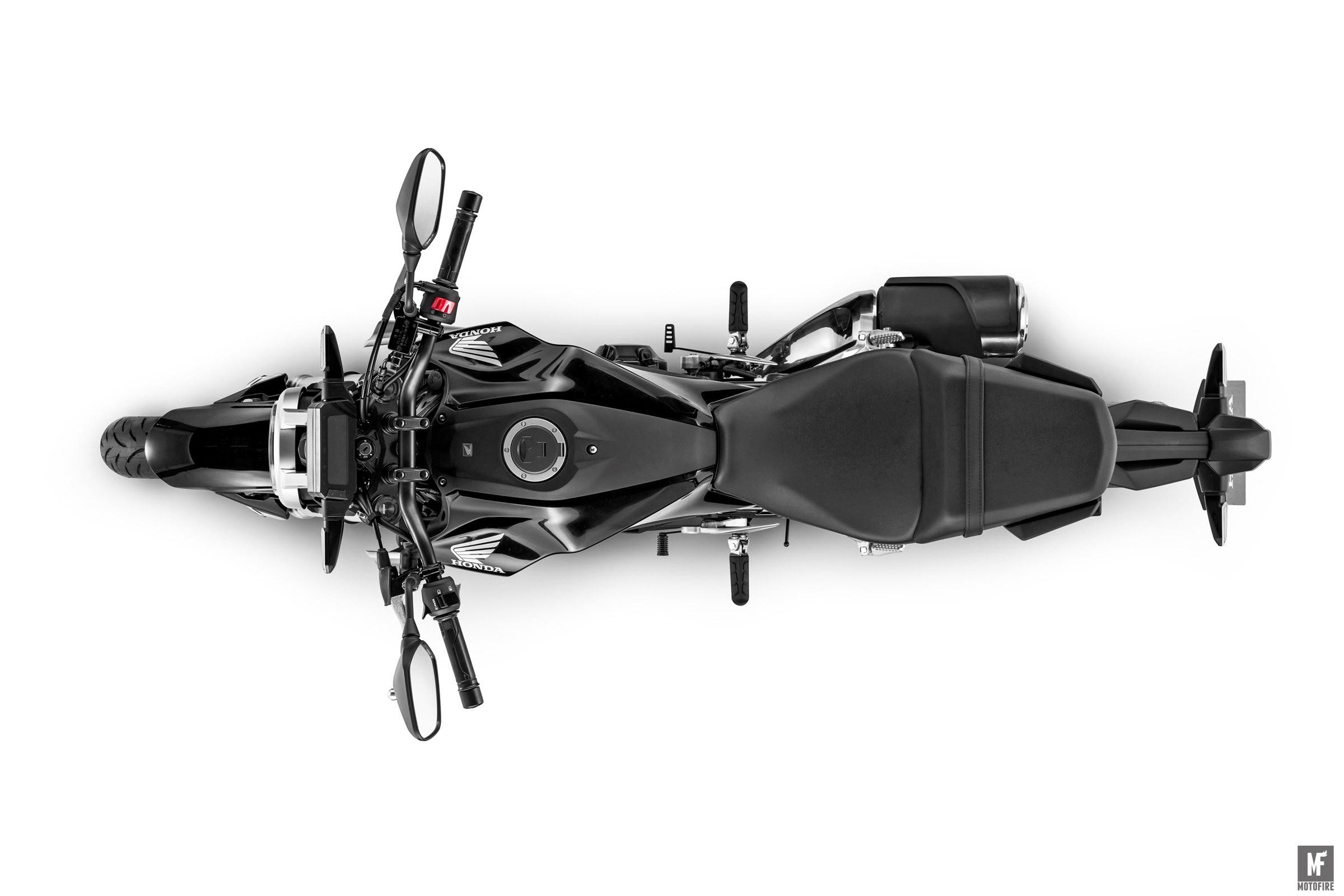 motofire-118655_2018_CB300R.jpg