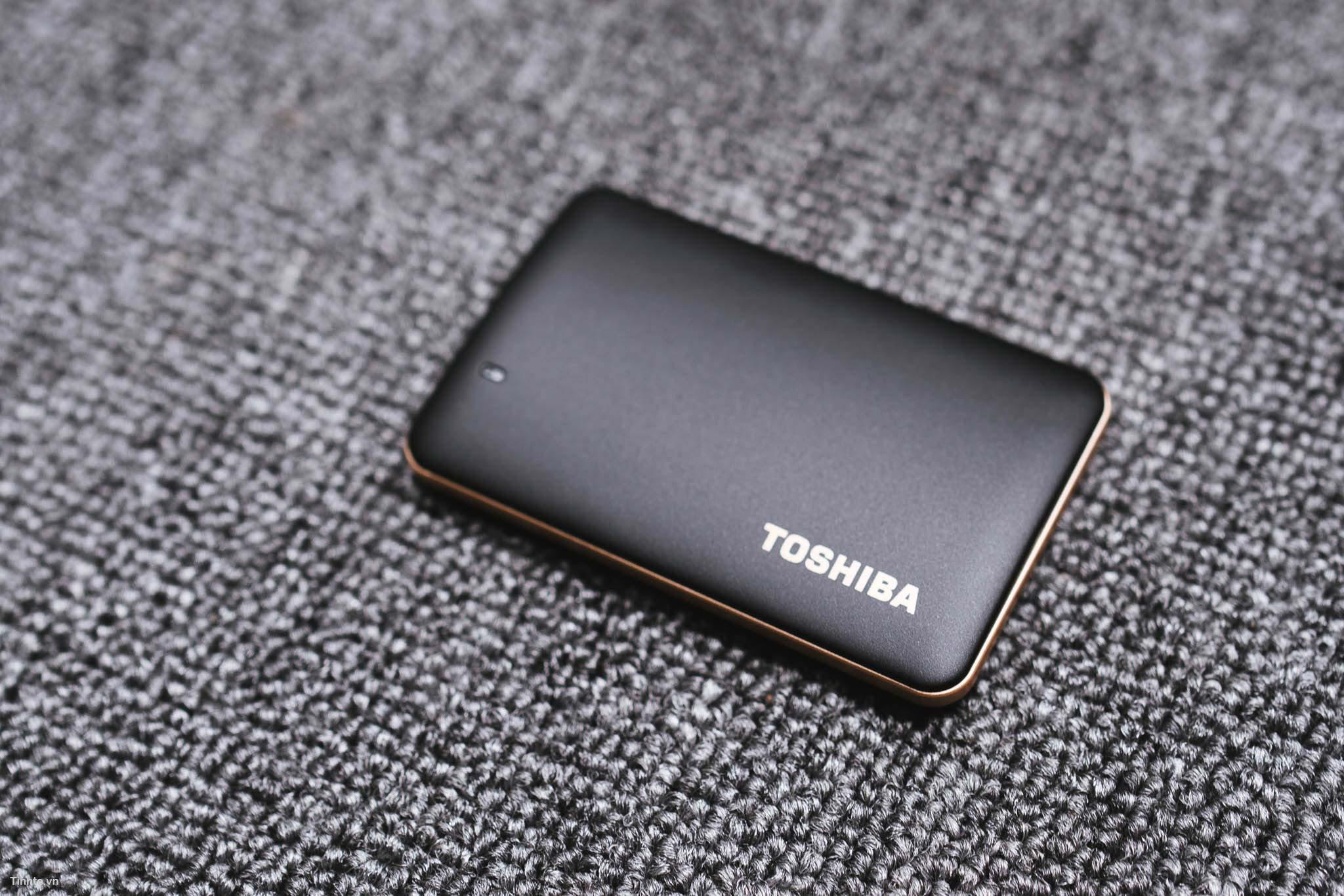 Toshiba_X10-6.jpg