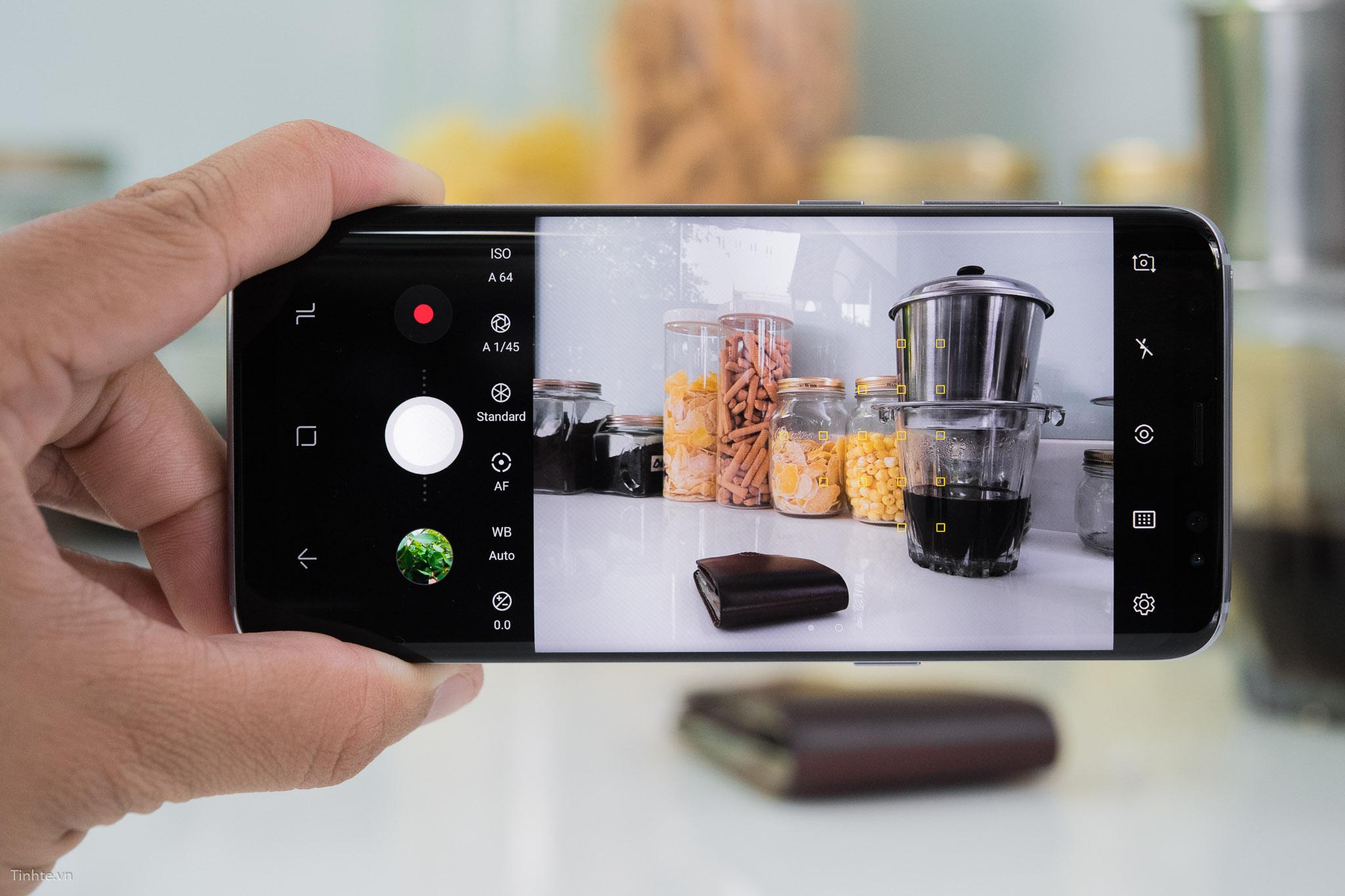 Camera_smartphone_second_hand.jpg