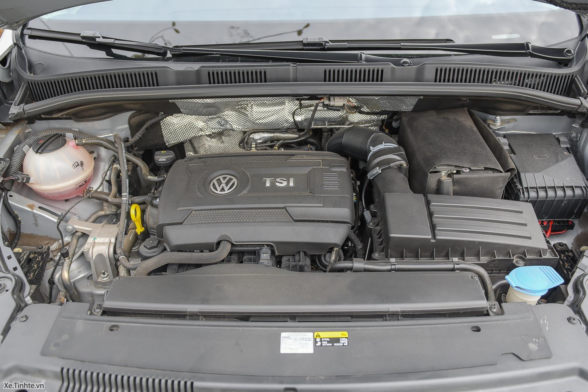 Volkswagen_Sharan_Xe_Tinhte_092.jpg