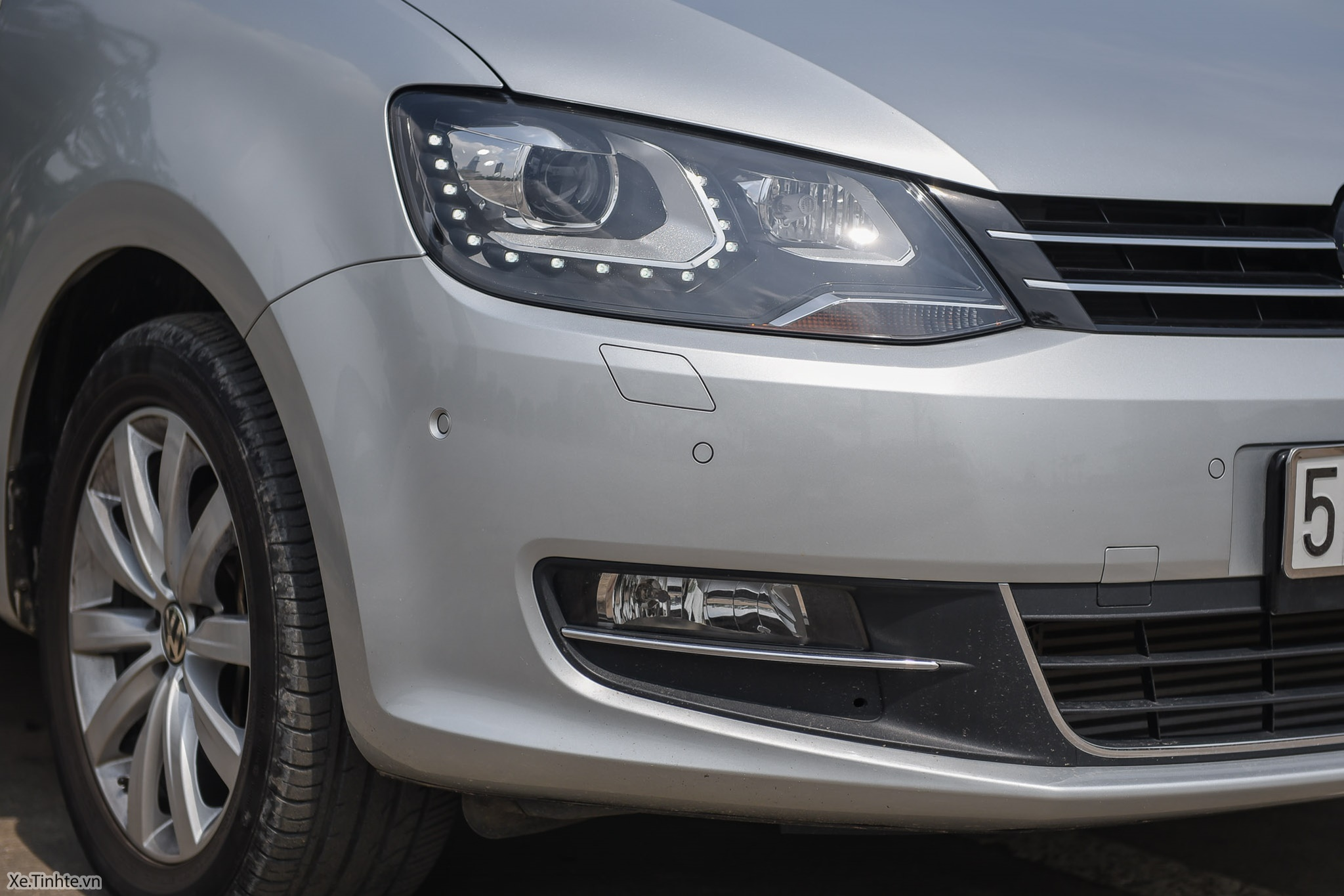 Volkswagen_Sharan_Xe_Tinhte_100.jpg