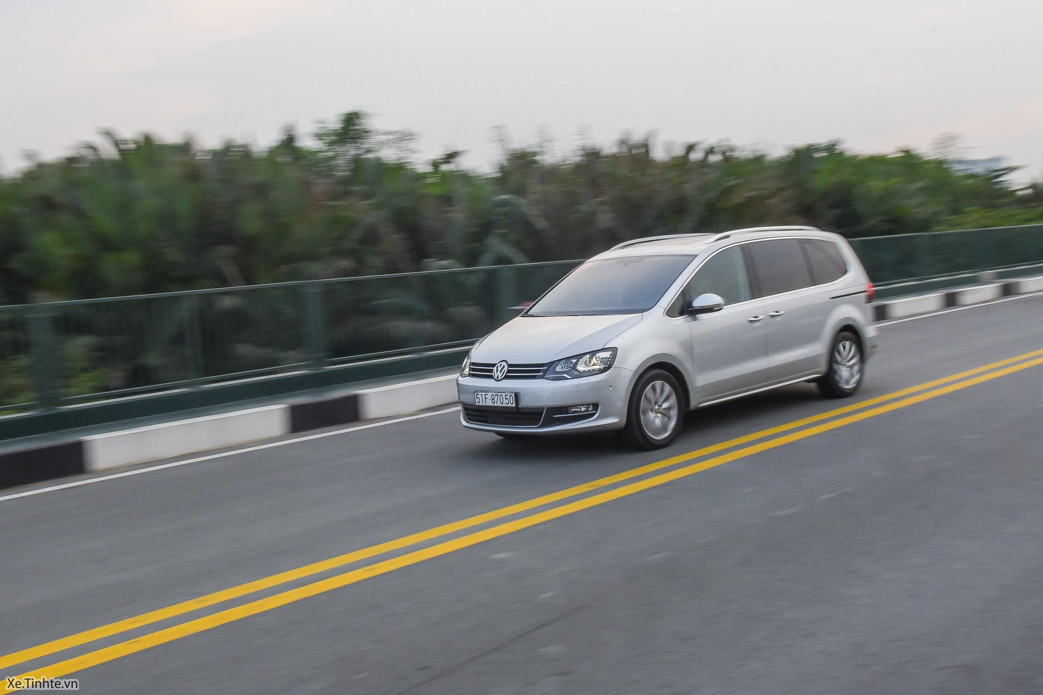 Volkswagen_Sharan_Xe_Tinhte_126.jpg