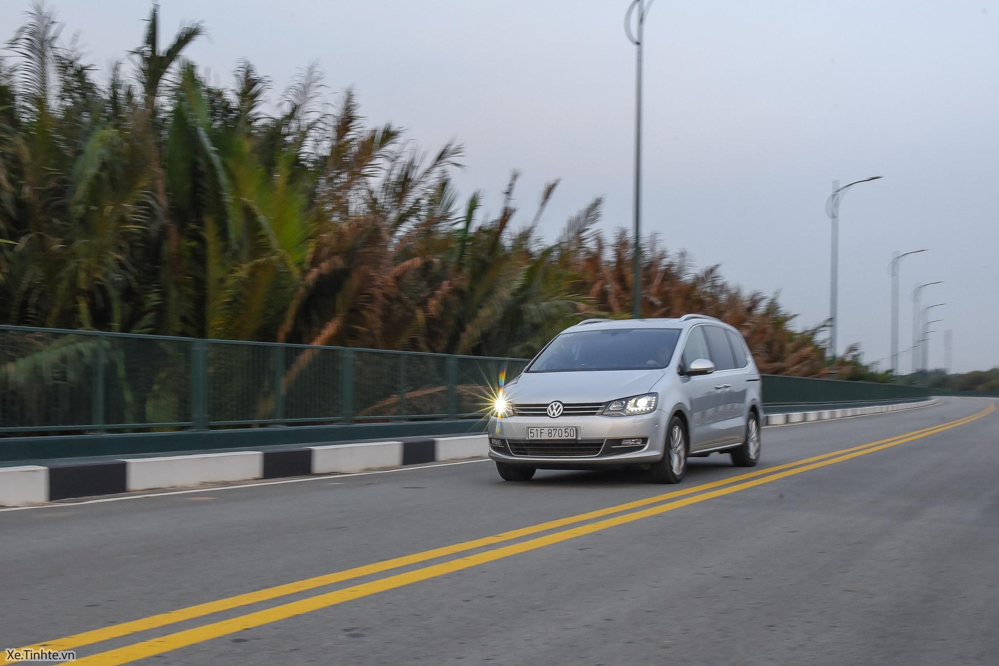 Volkswagen_Sharan_Xe_Tinhte_127.jpg
